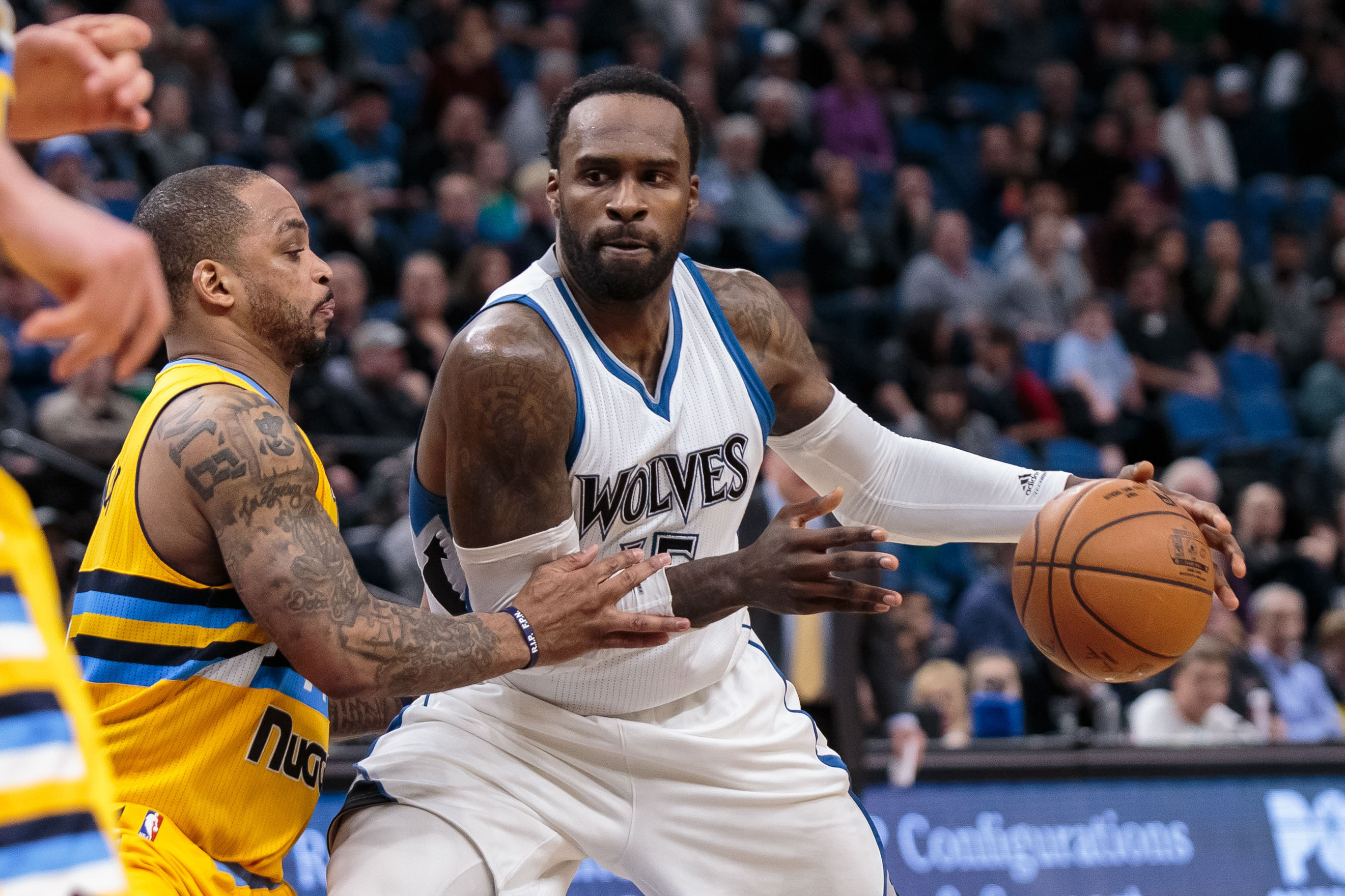 9838629-nba-denver-nuggets-at-minnesota-timberwolves
