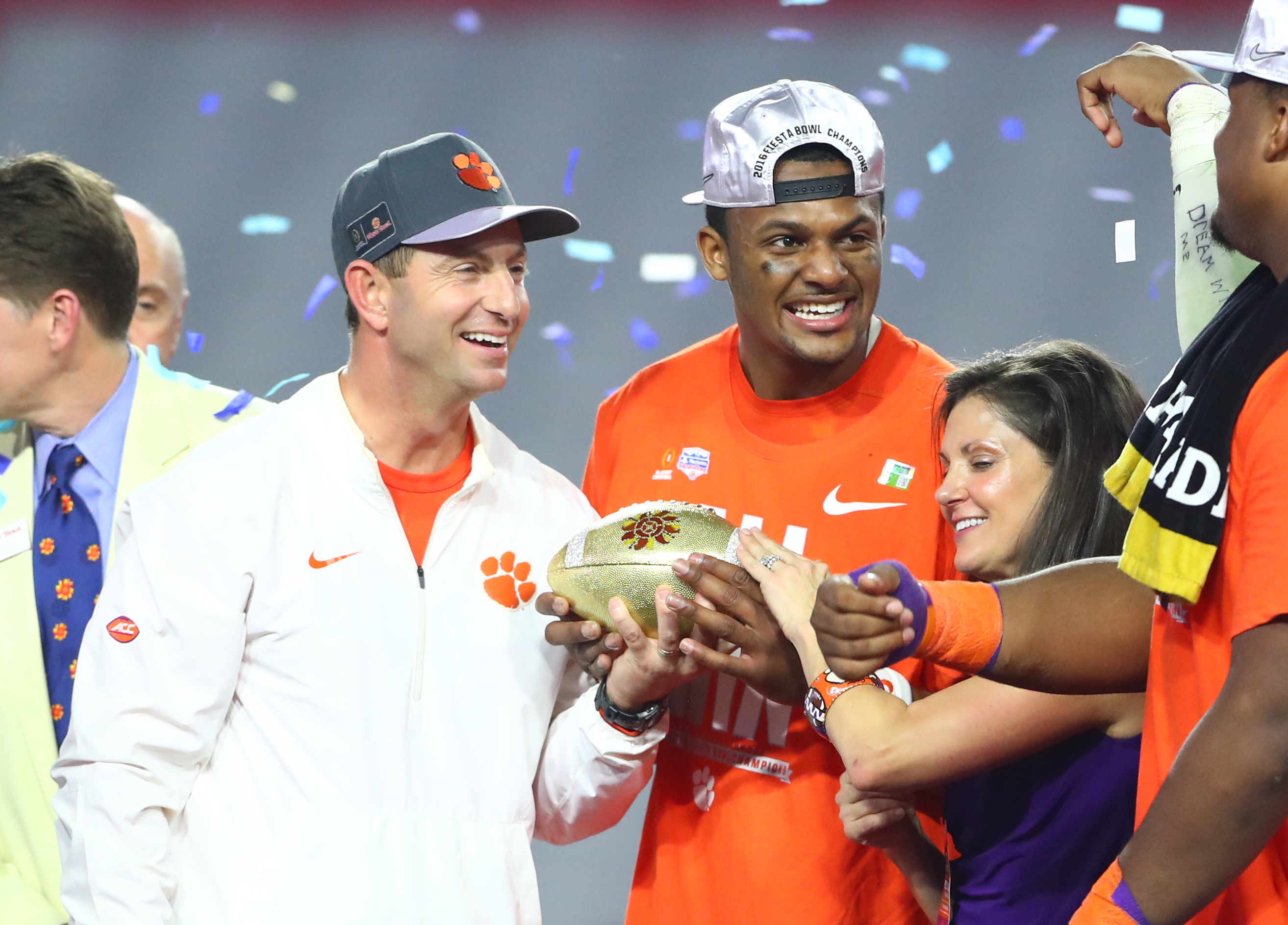 9839724-ncaa-football-fiesta-bowl-ohio-state-vs-clemson