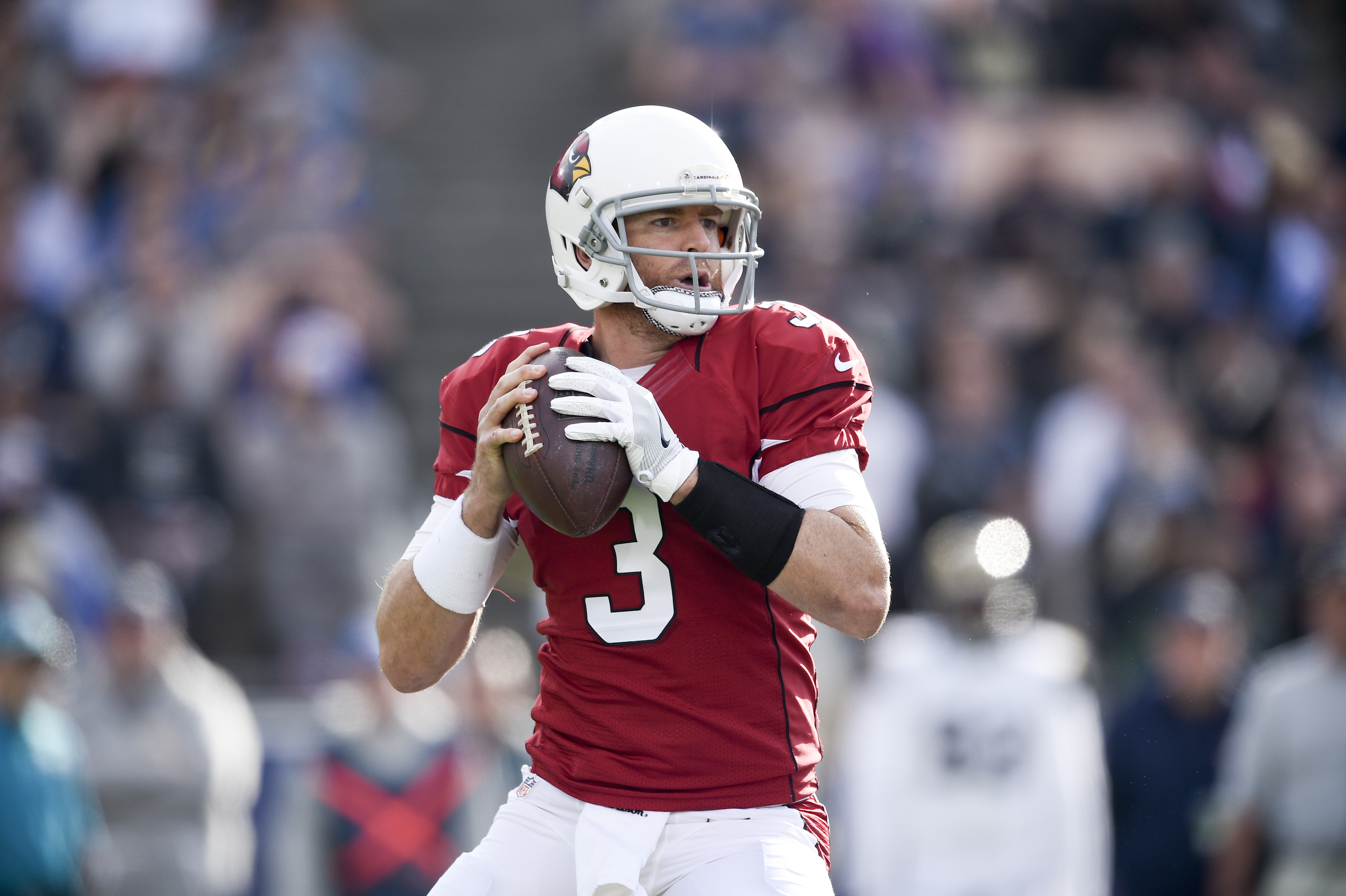 Jan 1, 2017; Los Angeles, CA, USA; Arizona Cardinals quarterback Carson Palmer (3) in action against the Los Angeles Rams during the first quarter at Los Angeles Memorial Coliseum. Mandatory Credit: Kelvin Kuo-USA TODAY Sports