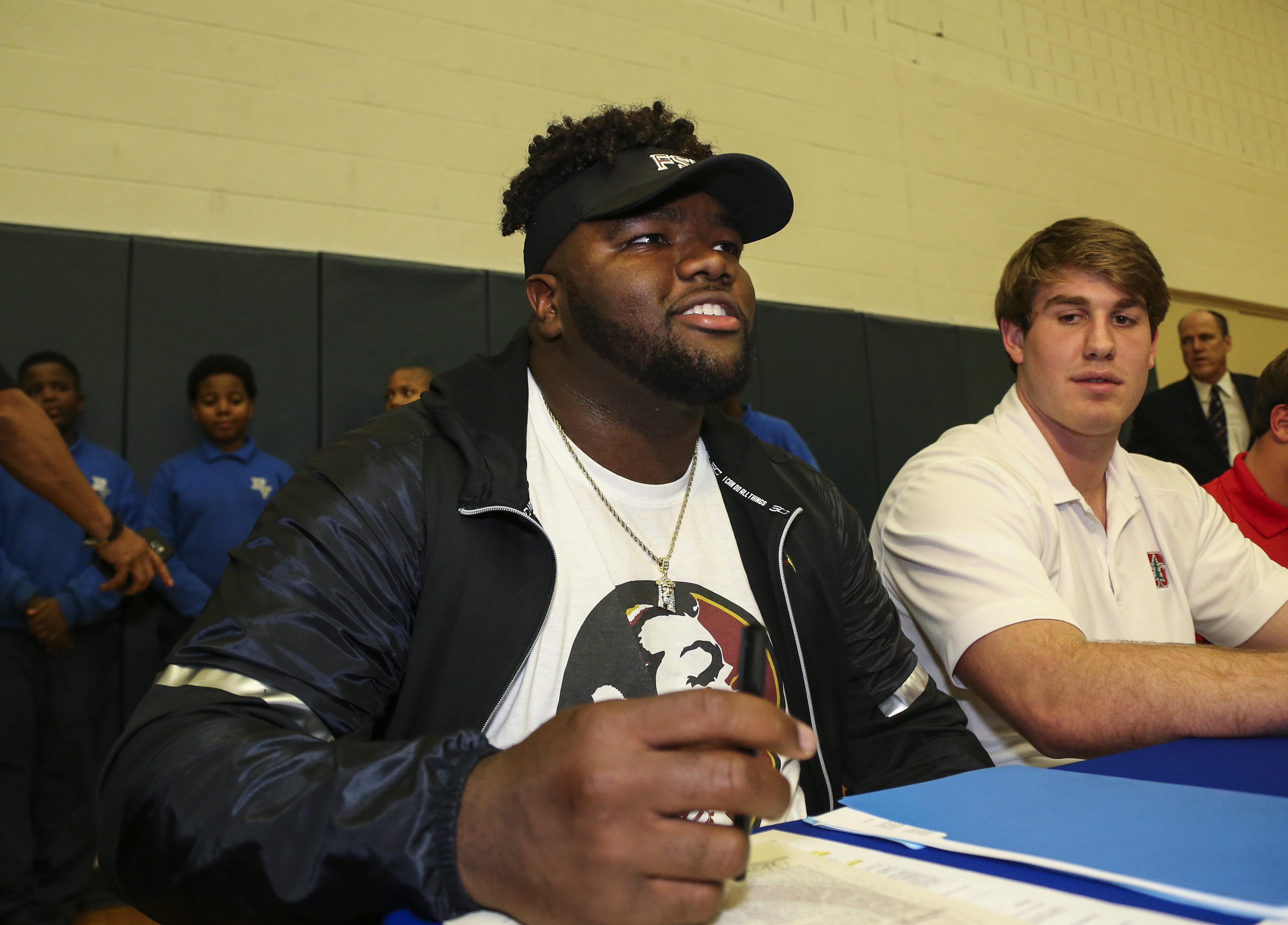 9852318-high-school-football-national-signing-day-marvin-wilson