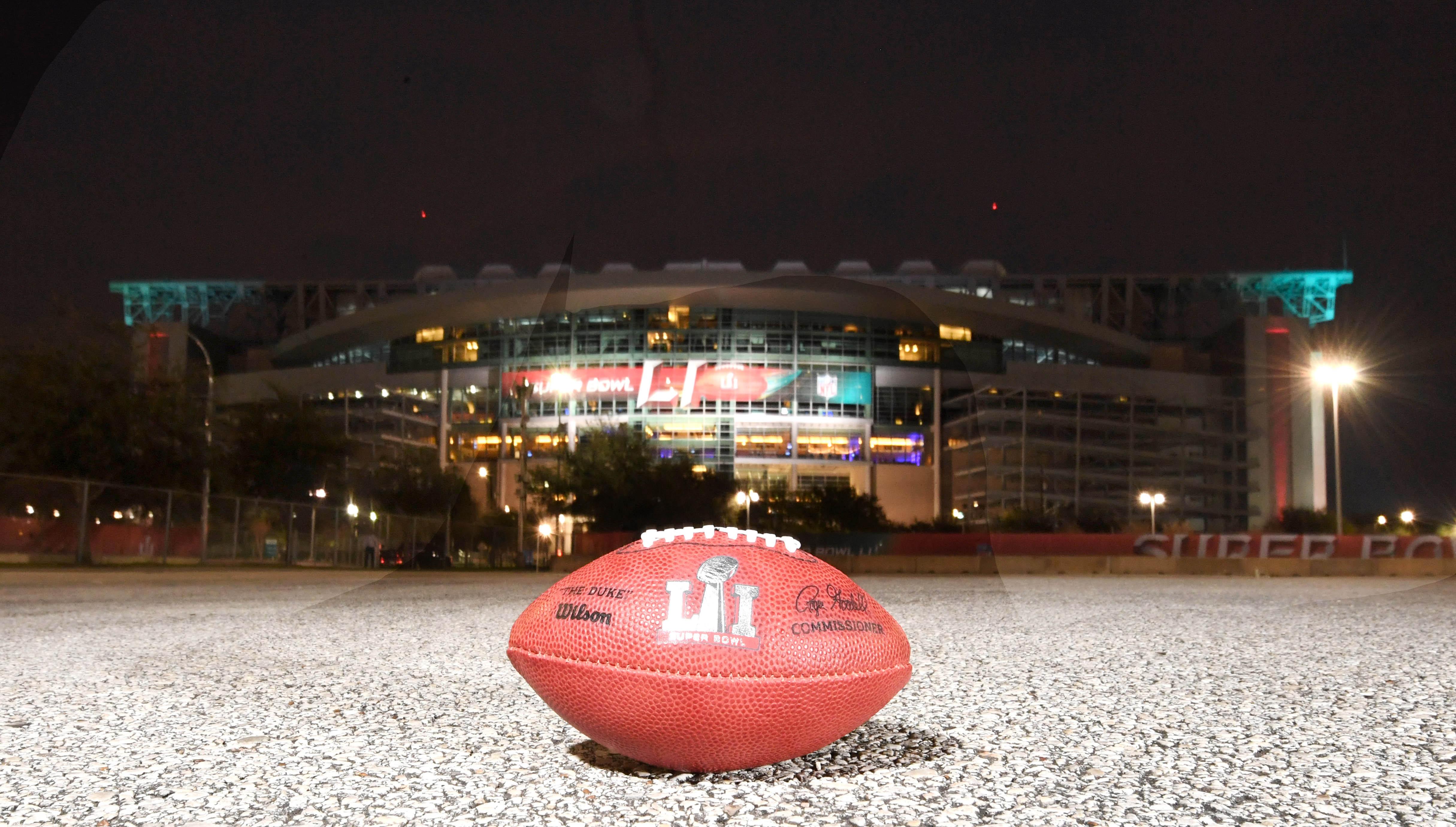 9854247-nfl-super-bowl-li-nrg-stadium-views