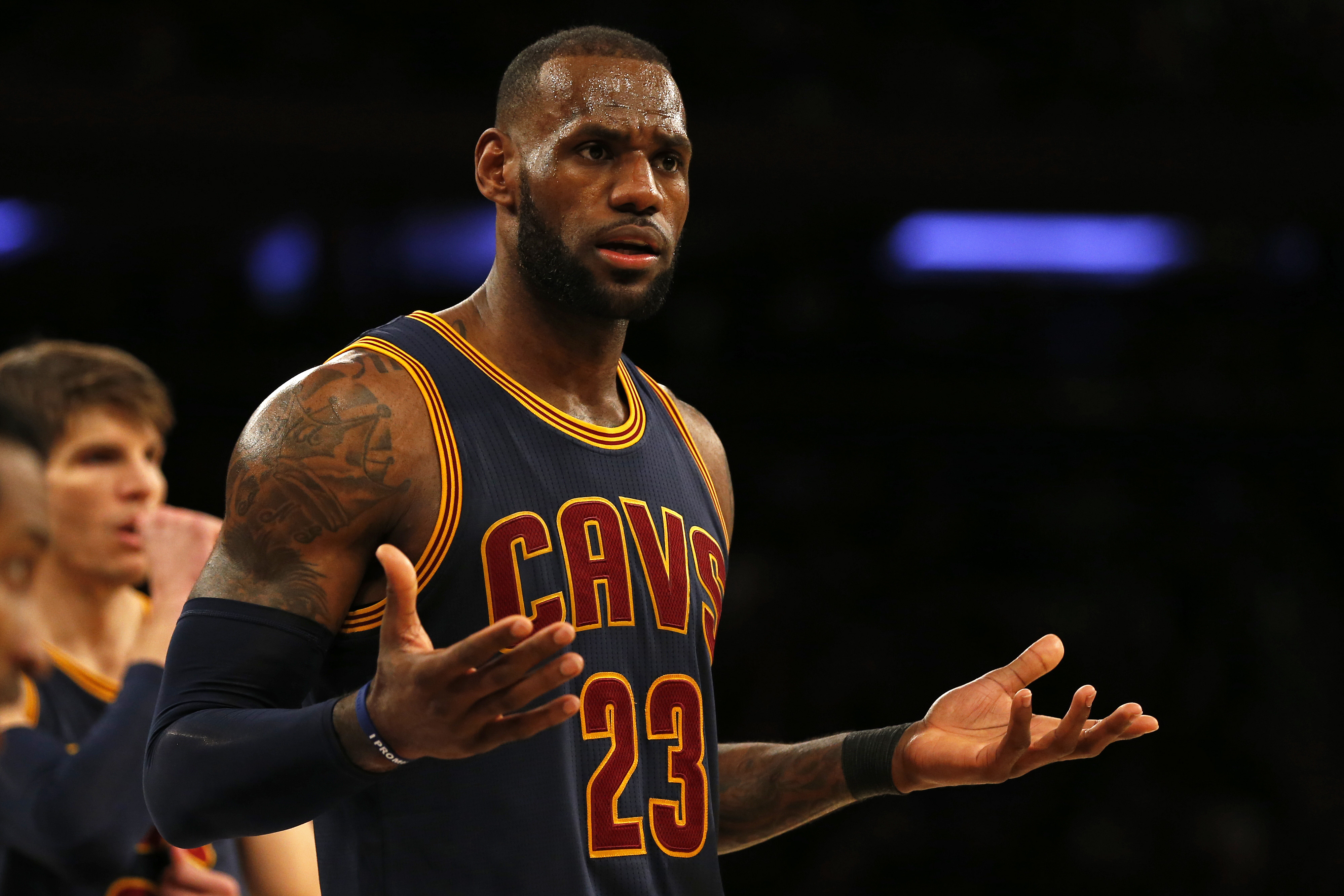 9859577-nba-cleveland-cavaliers-at-new-york-knicks