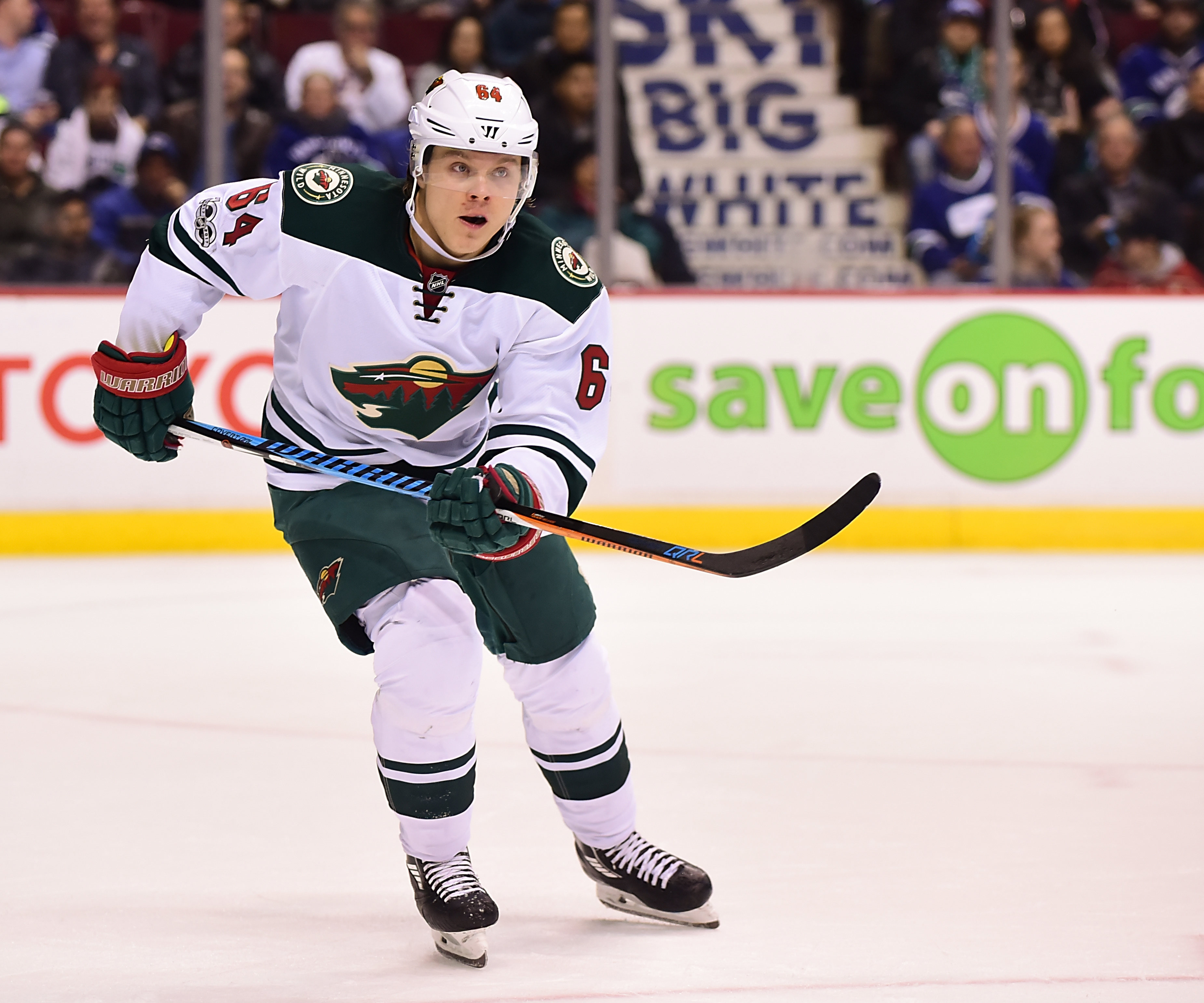 9859953-nhl-minnesota-wild-at-vancouver-canucks-1