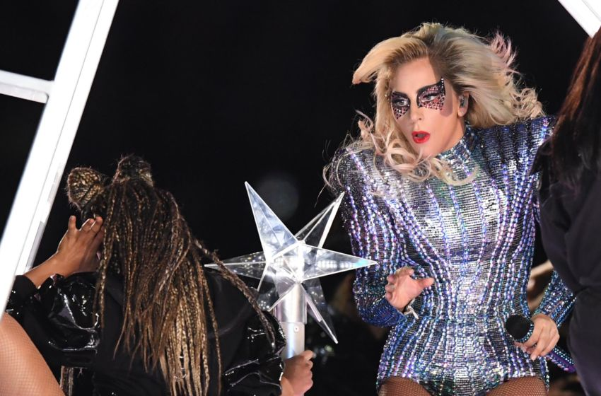 Lady Gaga Drops Mic Jumps Off Stage To End Super Bowl