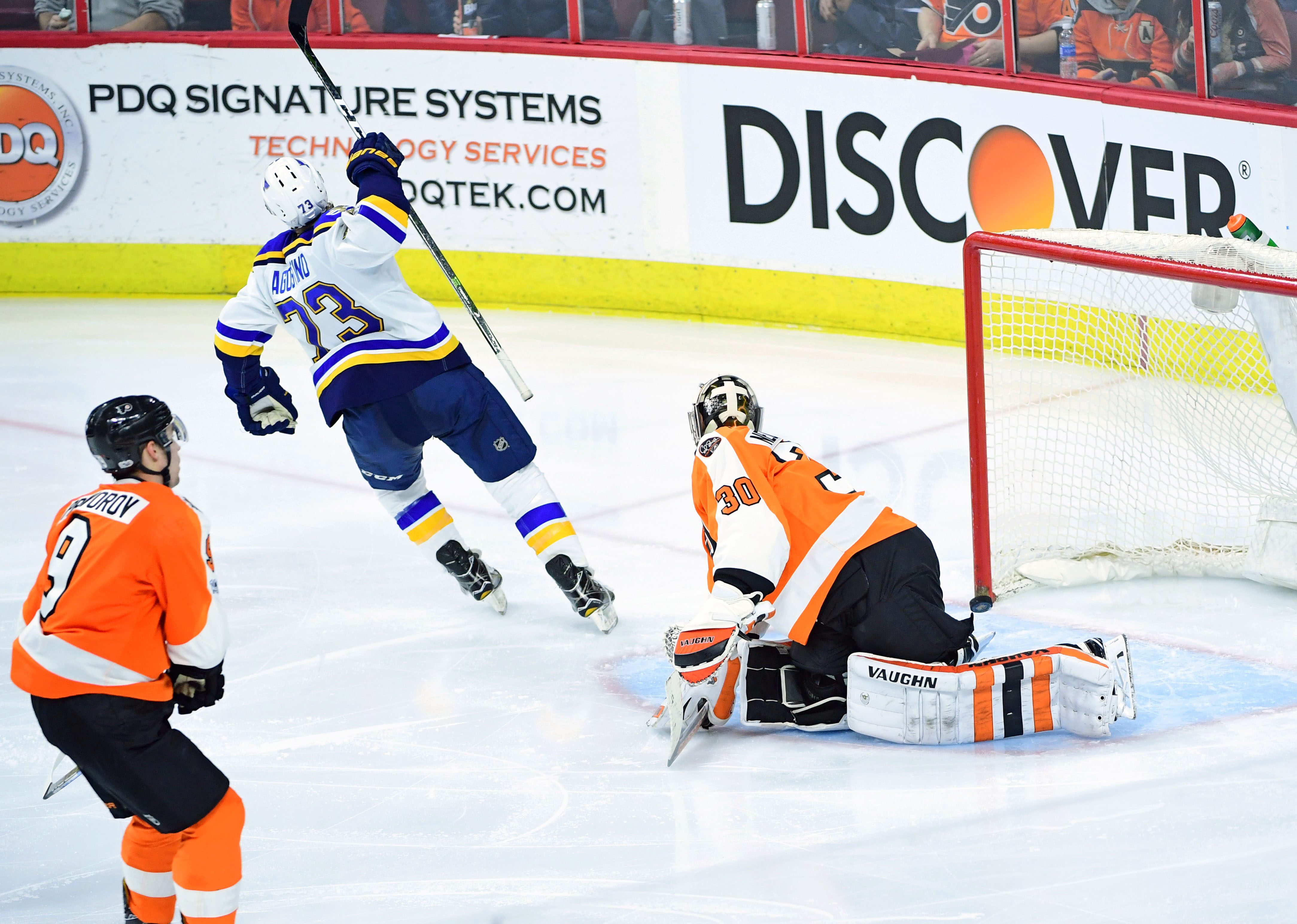 9863474-nhl-st.-louis-blues-at-philadelphia-flyers