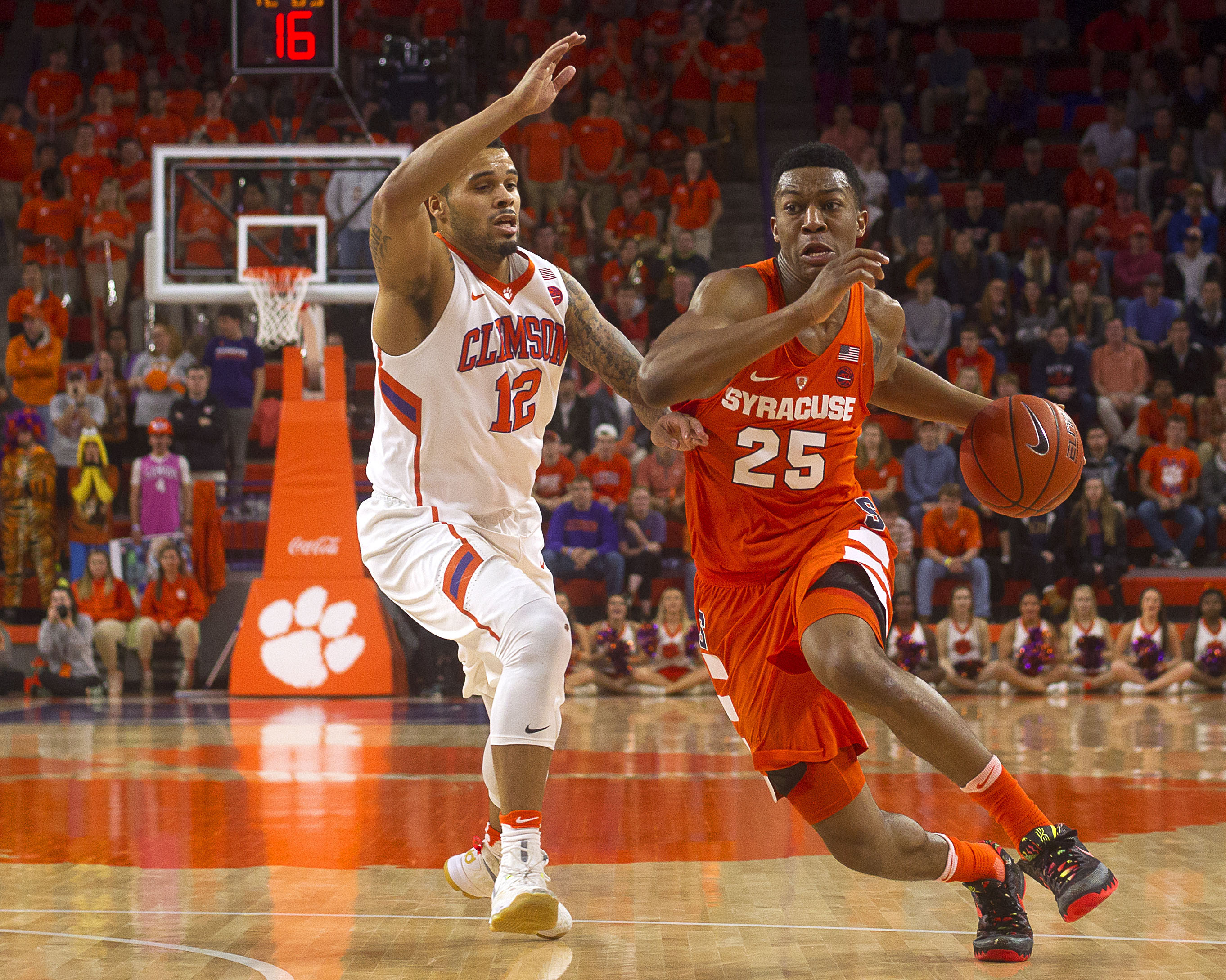 Syracuse's Tyus Battle hits three at buzzer to beat ...