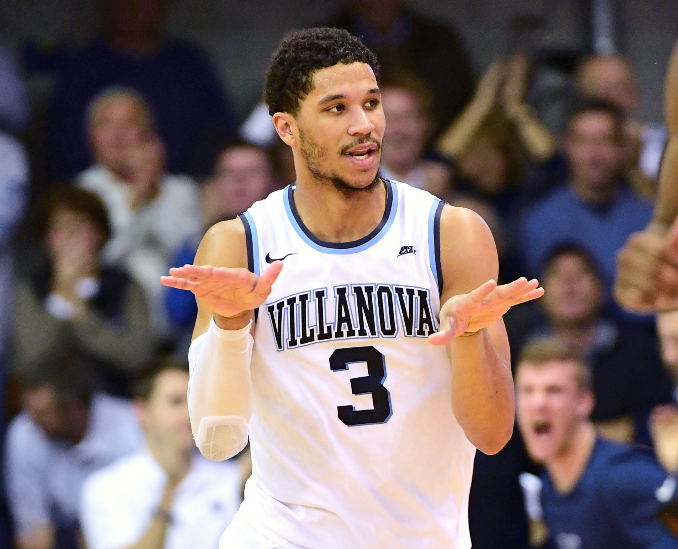9864963-ncaa-basketball-georgetown-at-villanova
