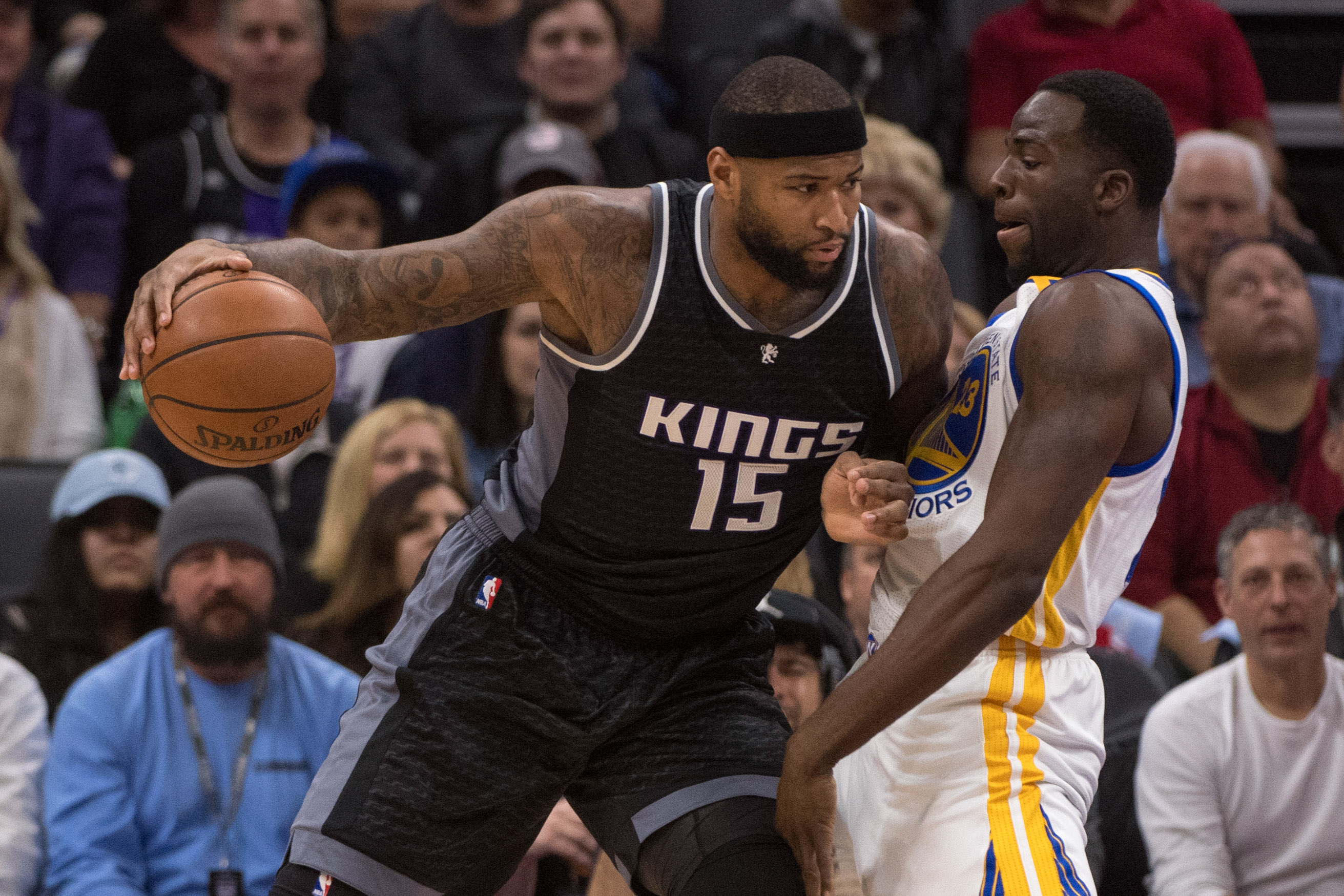 9869370-nba-golden-state-warriors-at-sacramento-kings