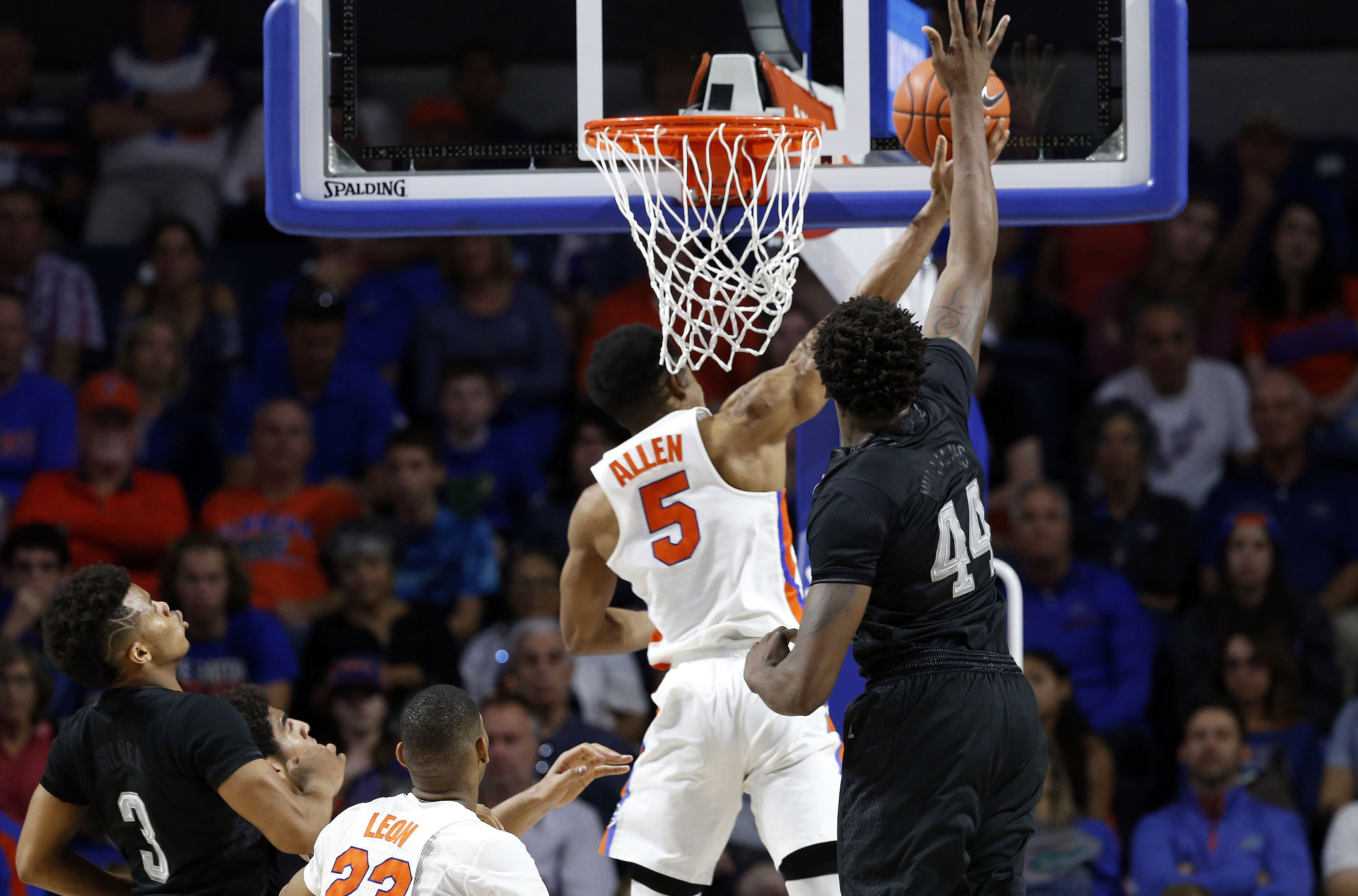 texas a m basketball robert williams should stay one more year robert williams has professional aspirations but one more season suiting up for the texas a m basketball team could go a long way towards his development