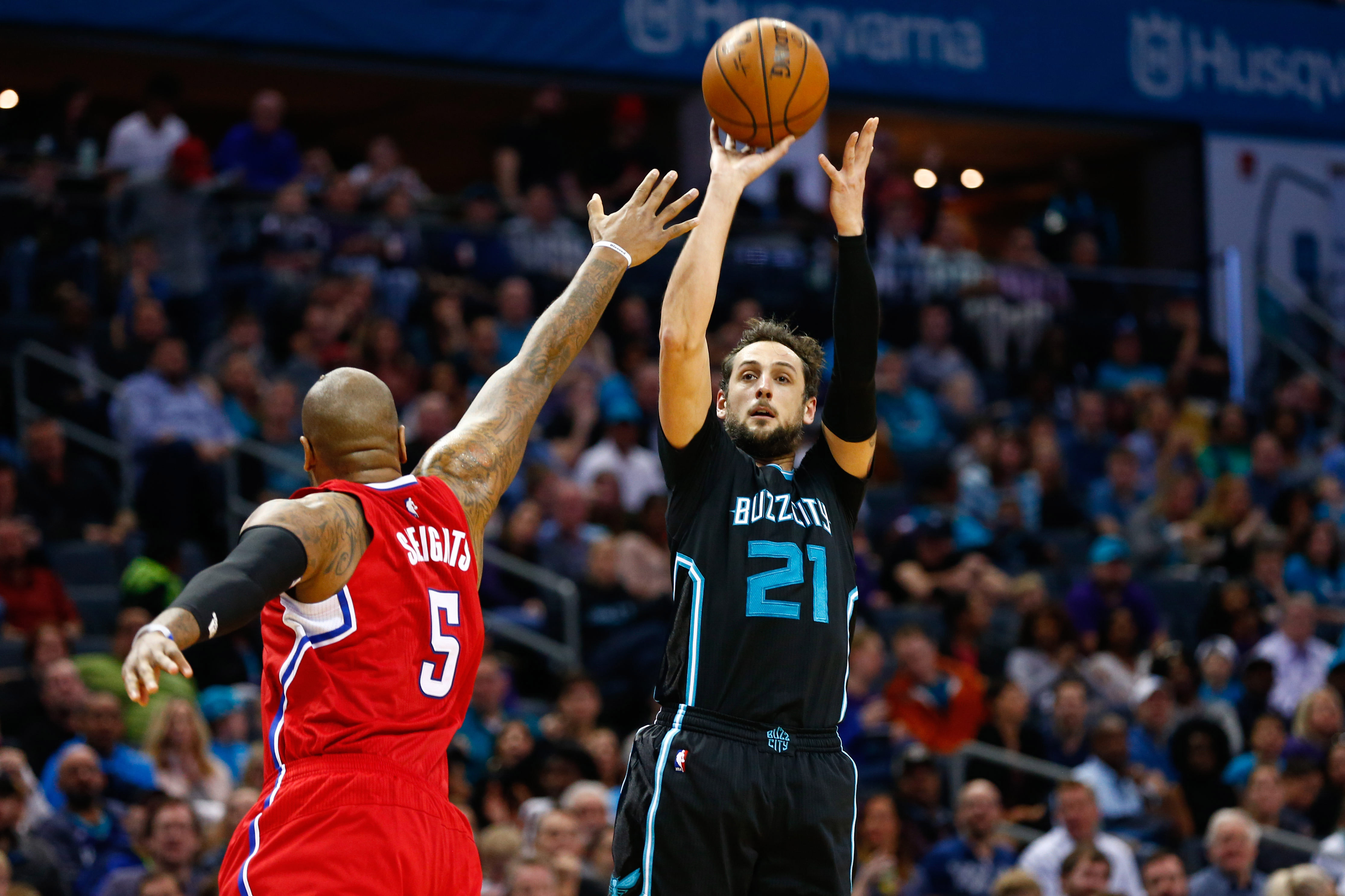 9872171-nba-los-angeles-clippers-at-charlotte-hornets
