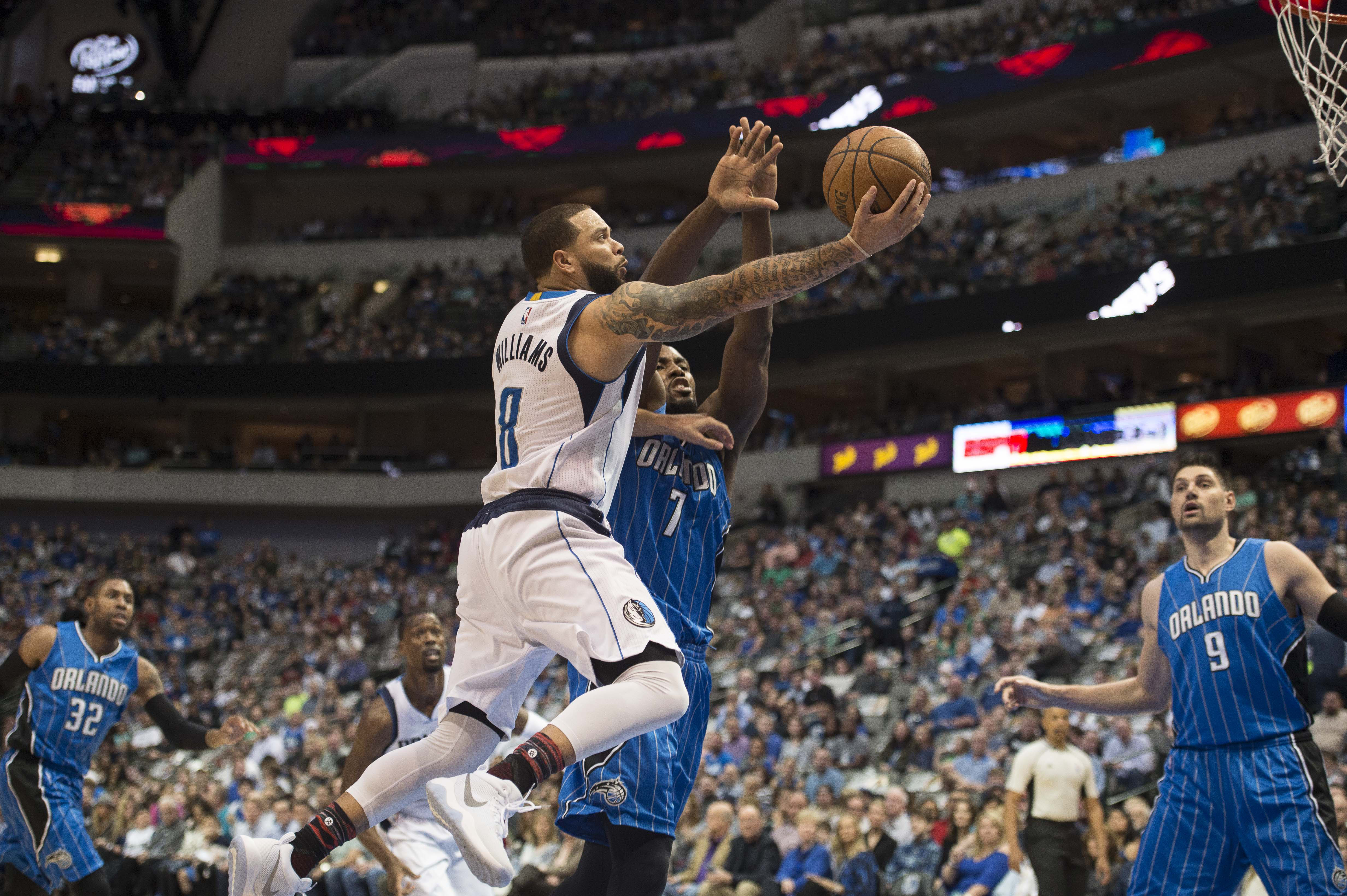 9872759-nba-orlando-magic-at-dallas-mavericks
