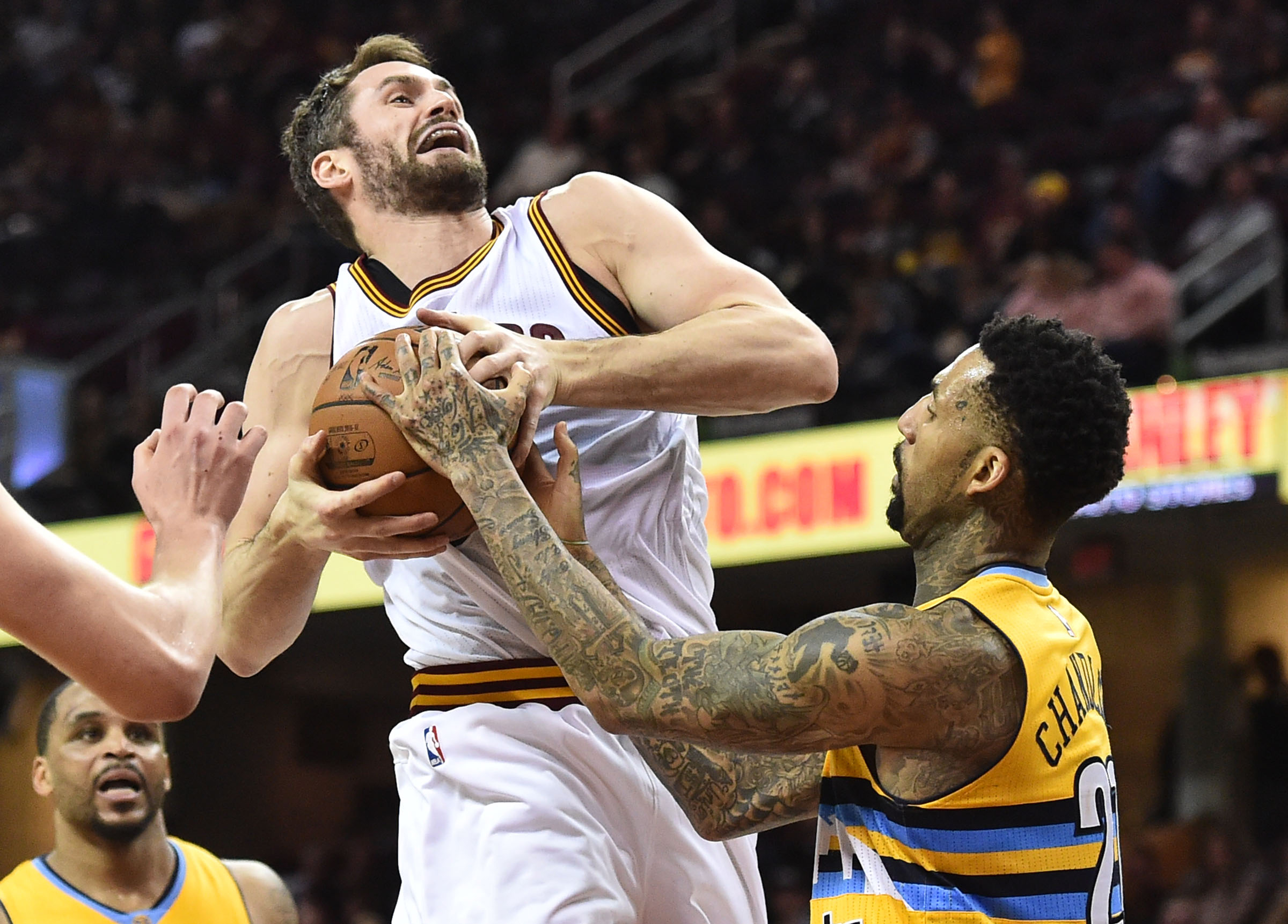 Harris, Barton lead Nuggets' rout of Cavs