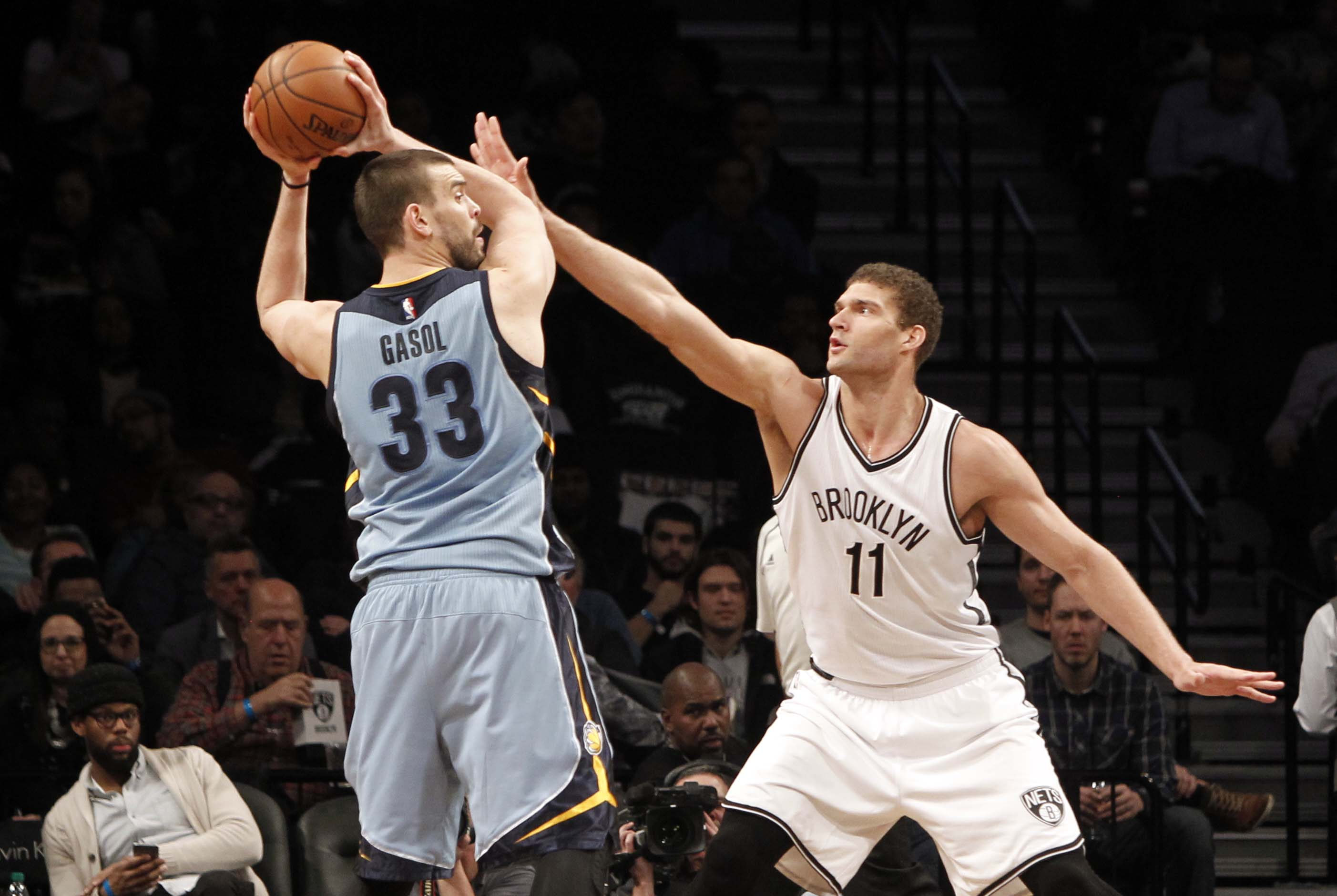 9876295-nba-memphis-grizzlies-at-brooklyn-nets