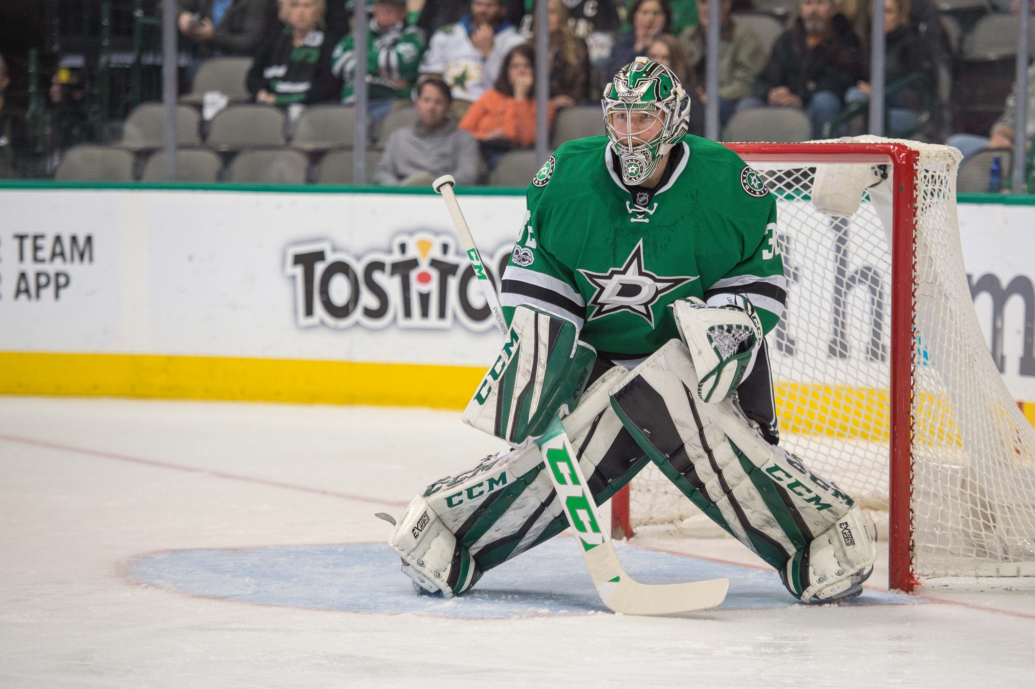 9876945-nhl-chicago-blackhawks-at-dallas-stars