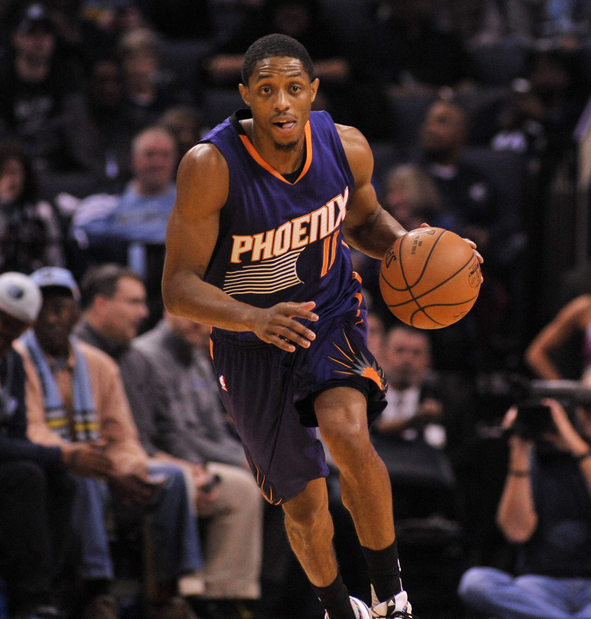 9877126-nba-phoenix-suns-at-memphis-grizzlies-1