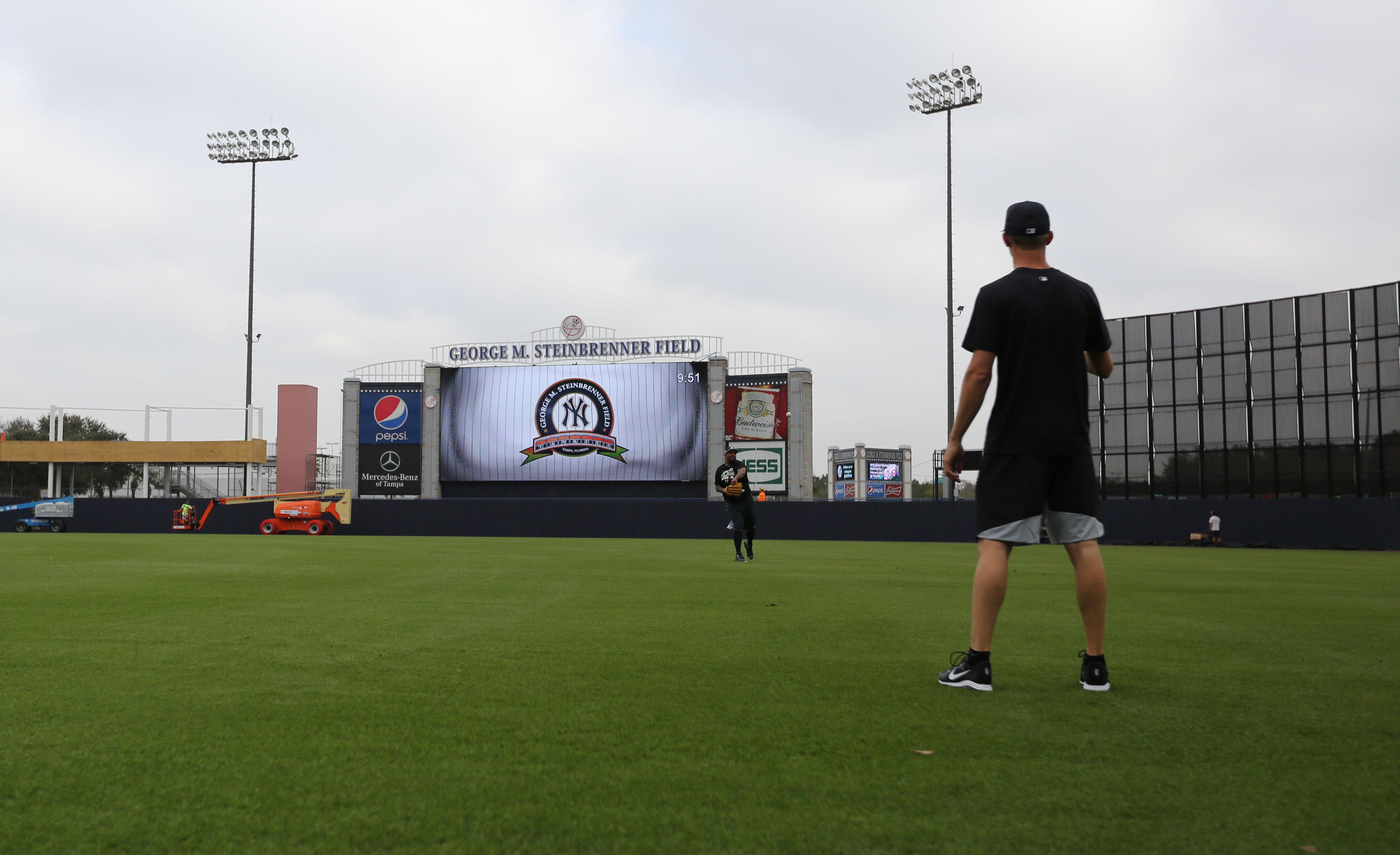 9877445-mlb-new-york-yankees-workouts