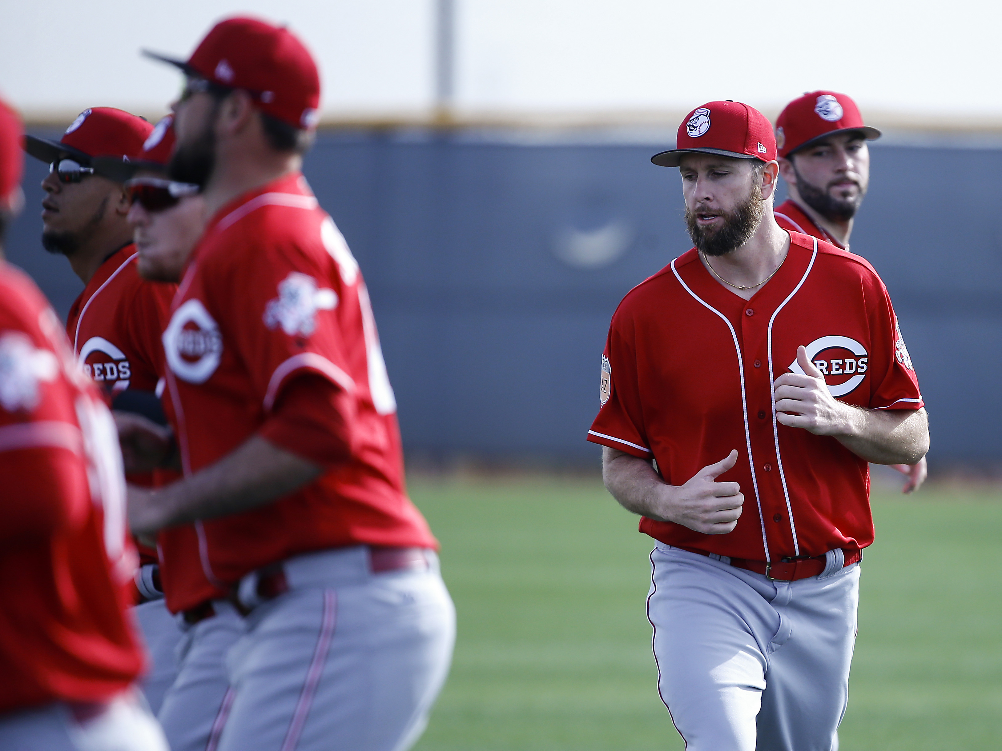 9877785-mlb-cincinnati-reds-workouts