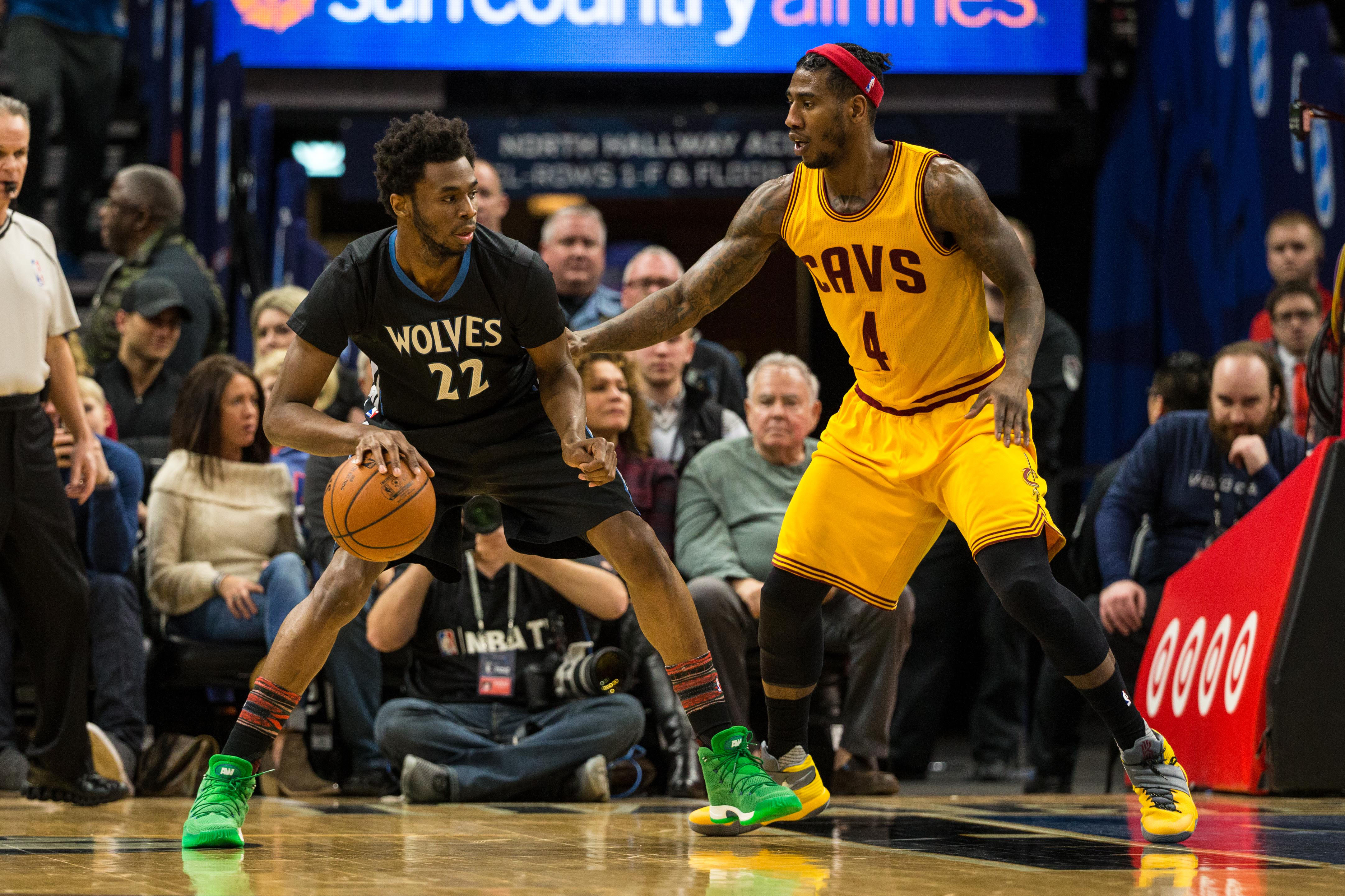 9878093-nba-cleveland-cavaliers-at-minnesota-timberwolves