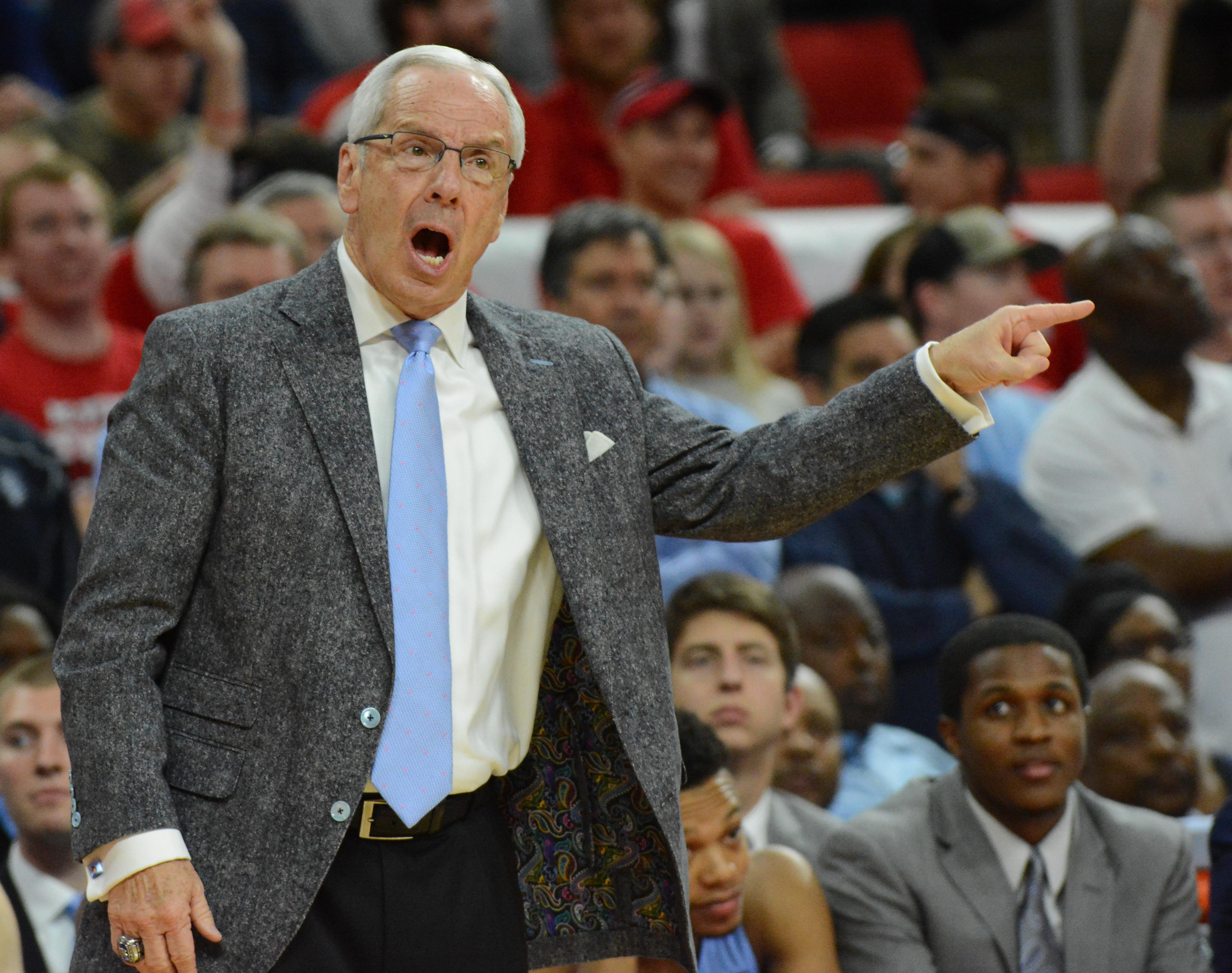 9879533-ncaa-basketball-north-carolina-at-north-carolina-state