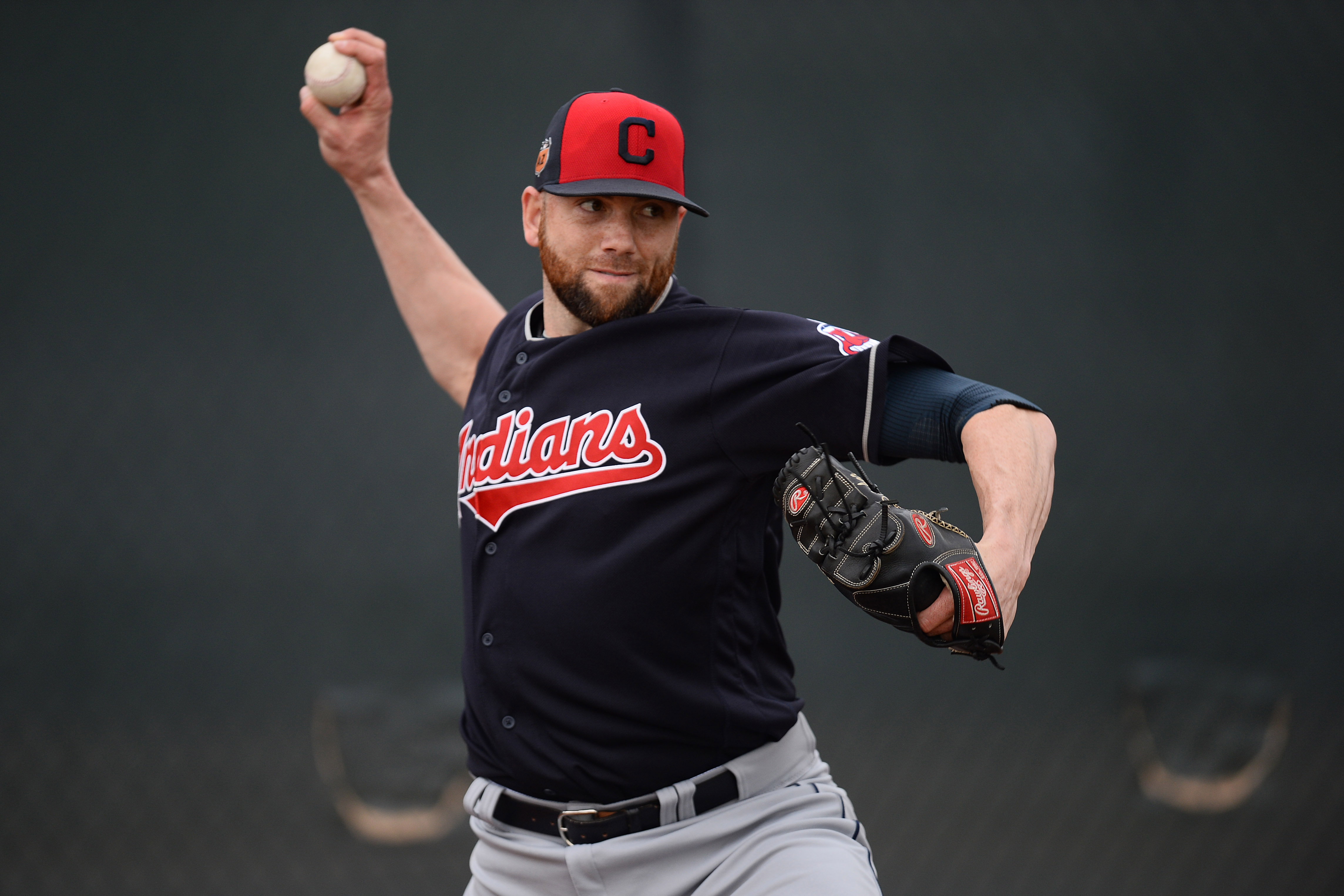9882042-mlb-cleveland-indians-workouts-1
