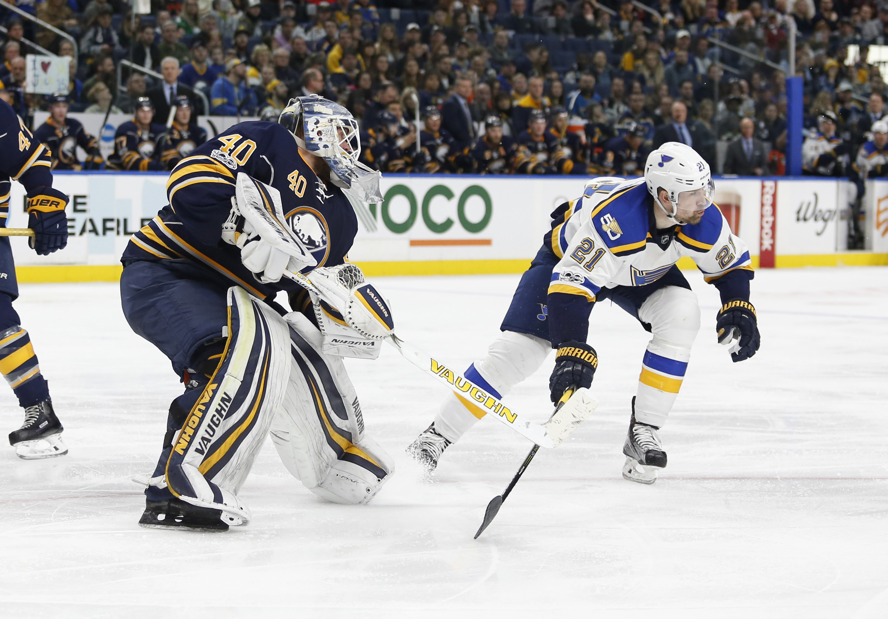 9884722-nhl-st.-louis-blues-at-buffalo-sabres