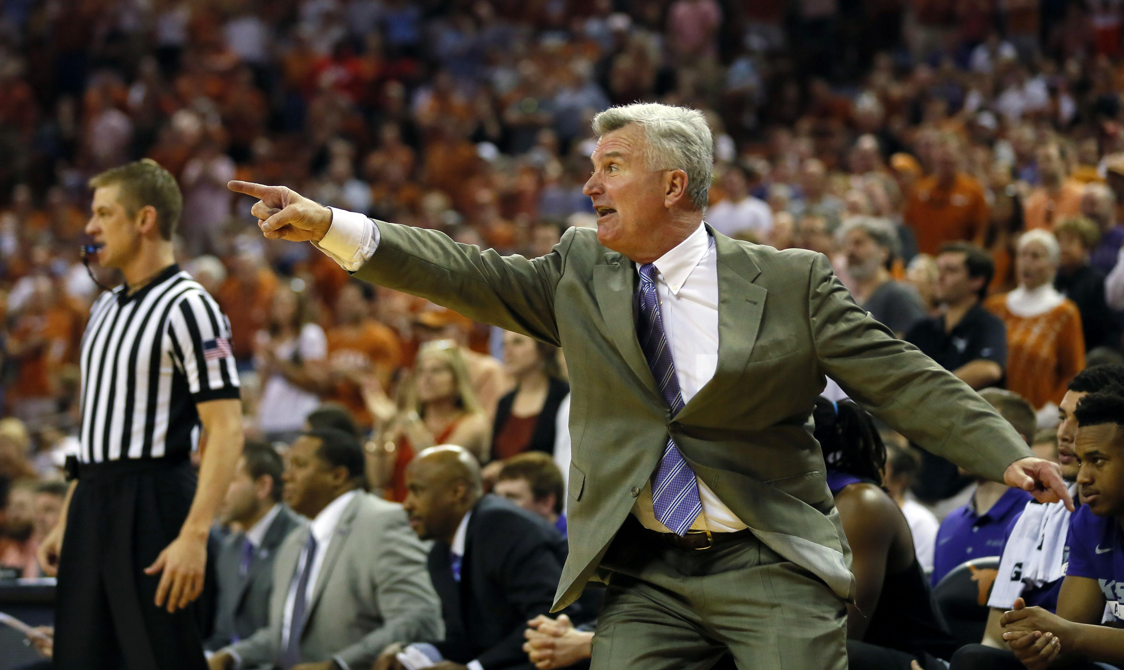 9885234-ncaa-basketball-kansas-state-at-texas-2