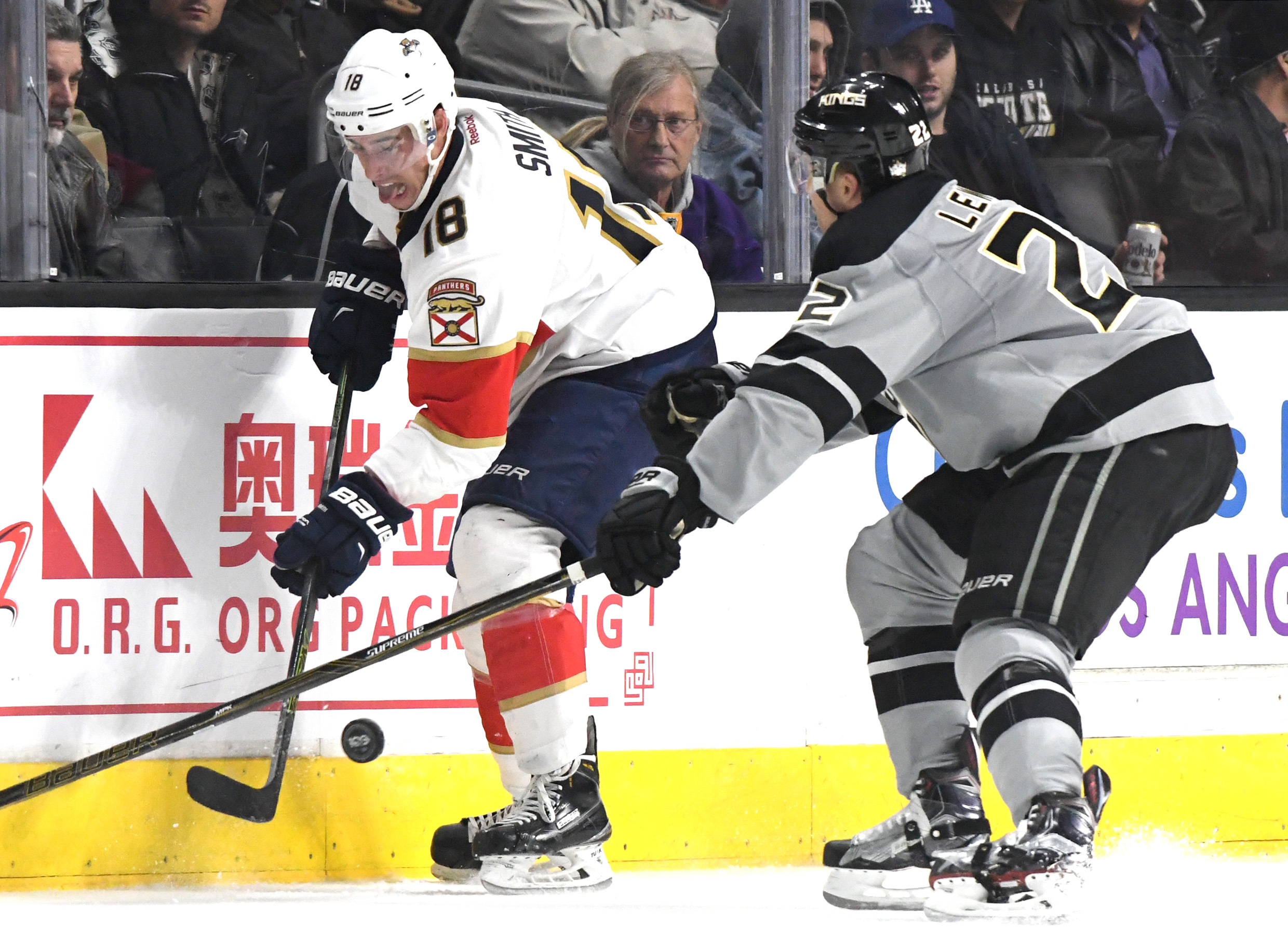 9886933-nhl-florida-panthers-at-los-angeles-kings