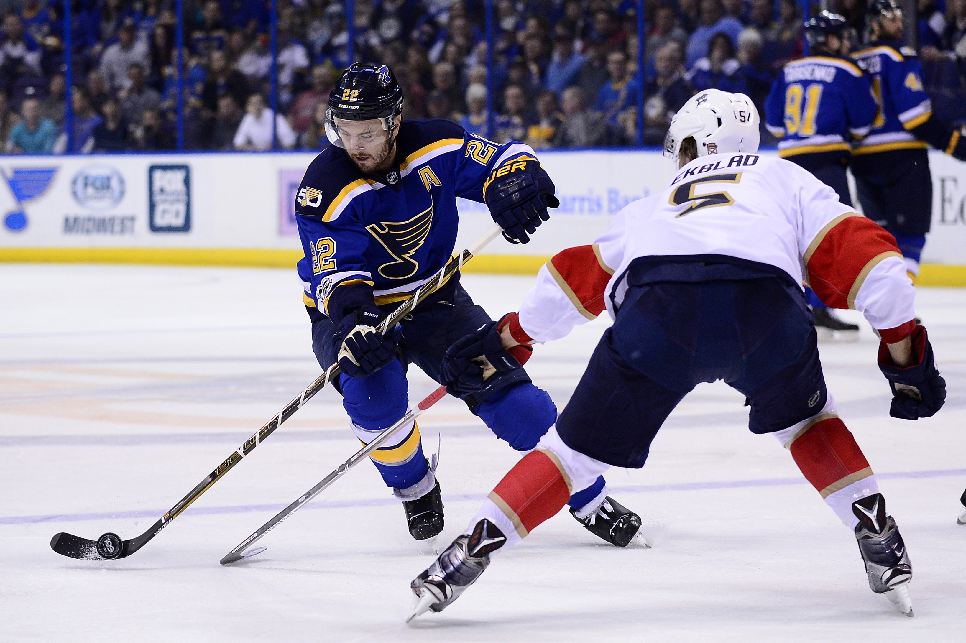 9890162-nhl-florida-panthers-at-st.-louis-blues
