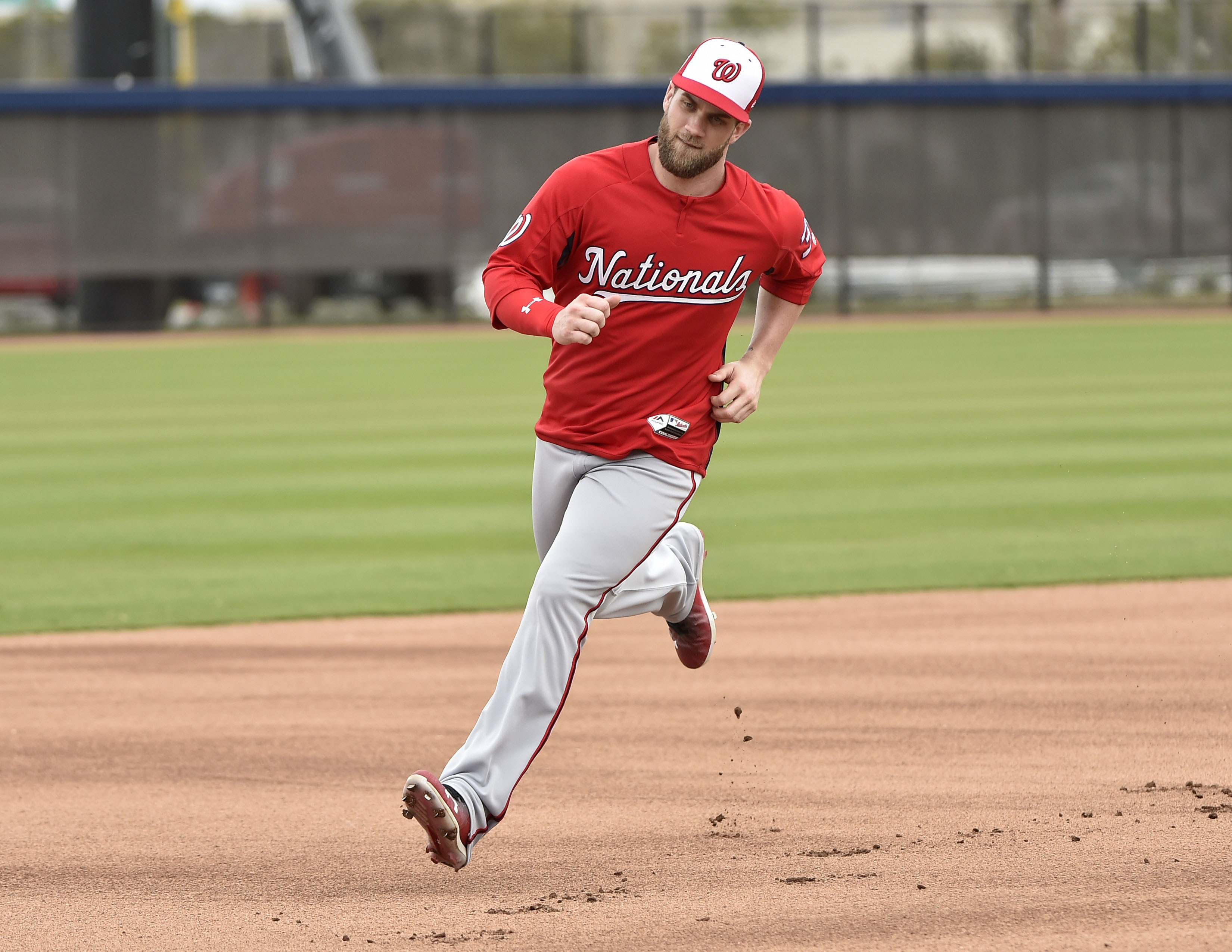 9891204-mlb-washington-nationals-workouts-1