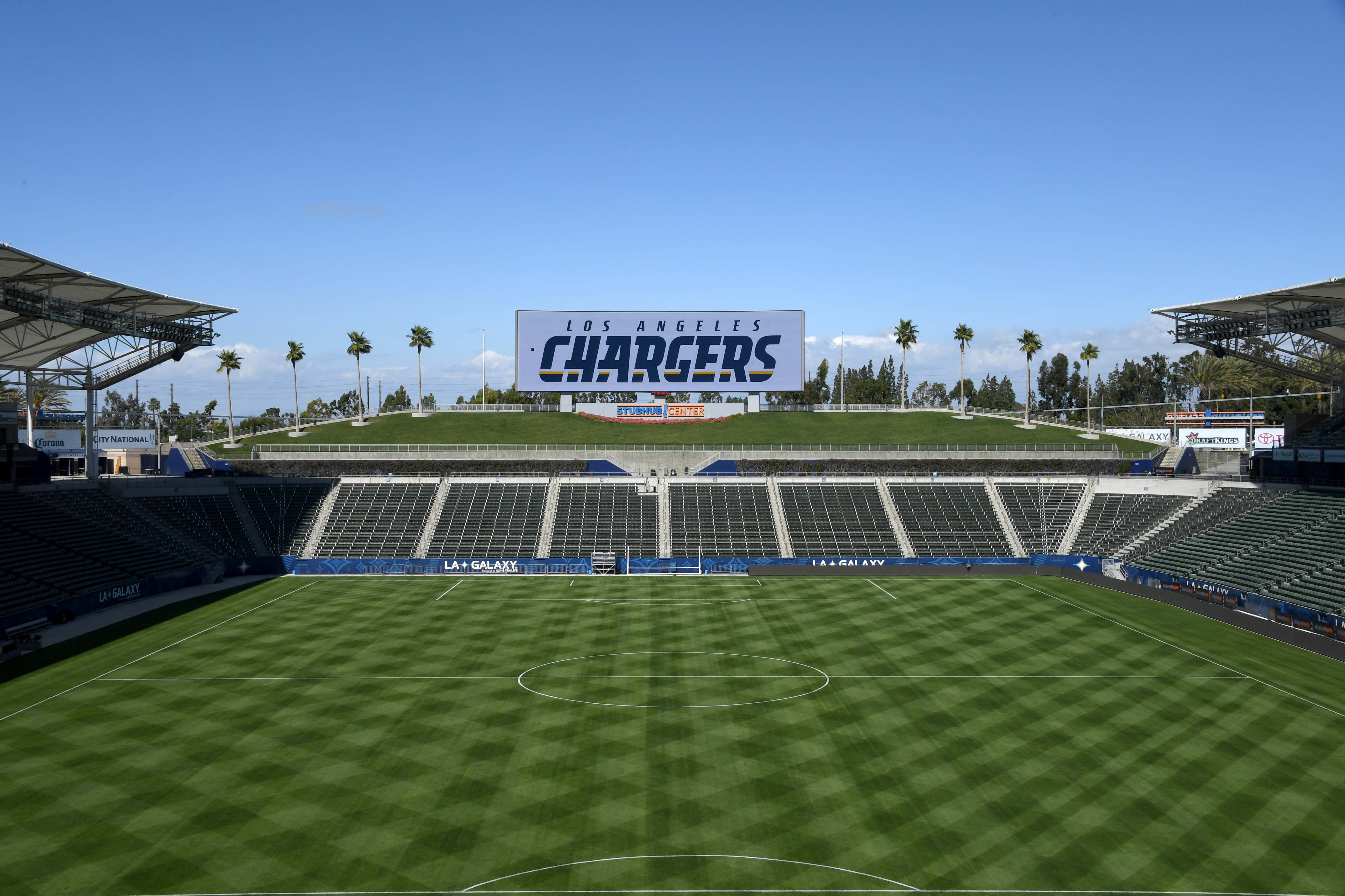 9894433-nfl-los-angeles-chargers-press-conference