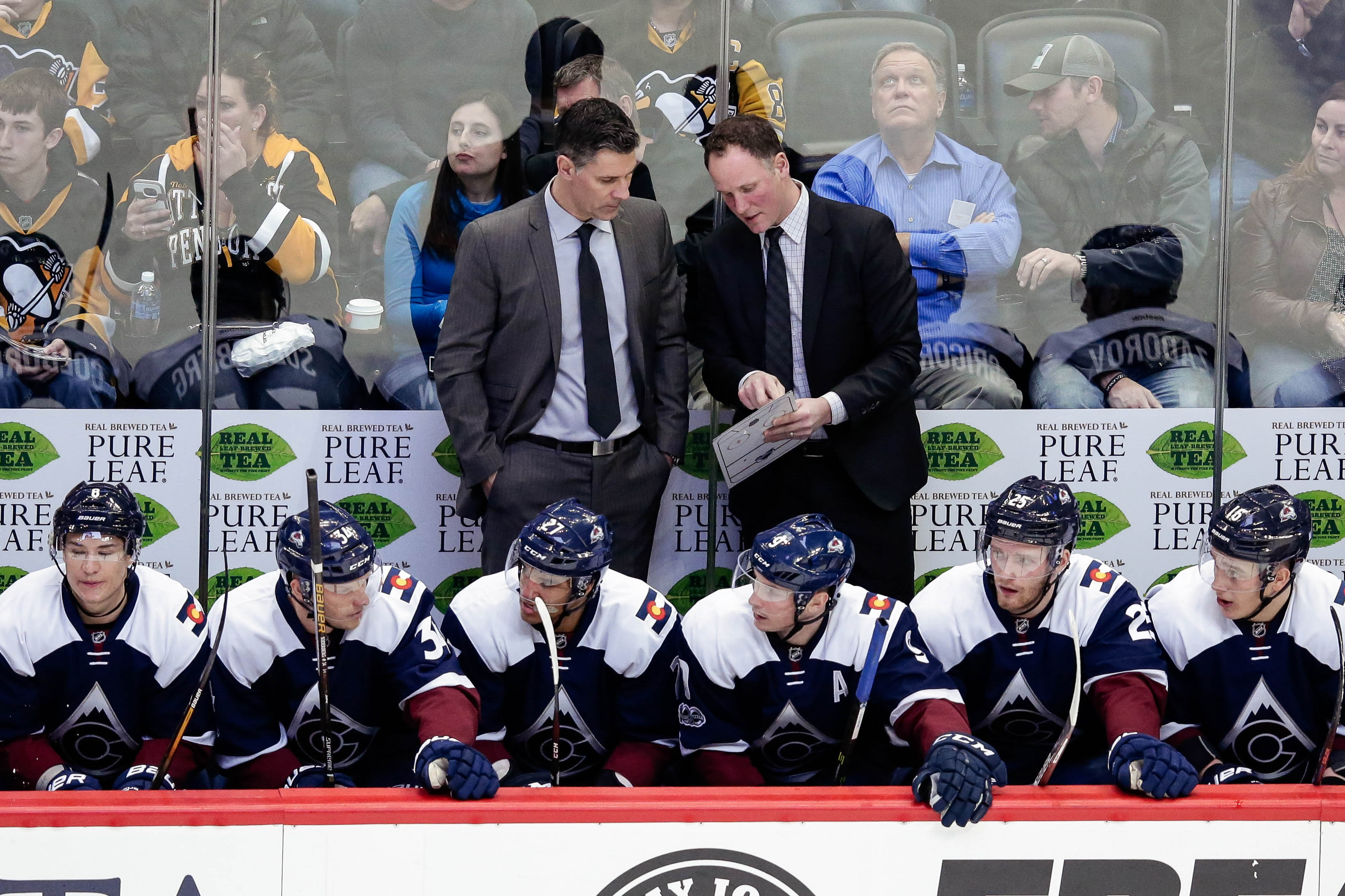 9894645-nhl-pittsburgh-penguins-at-colorado-avalanche