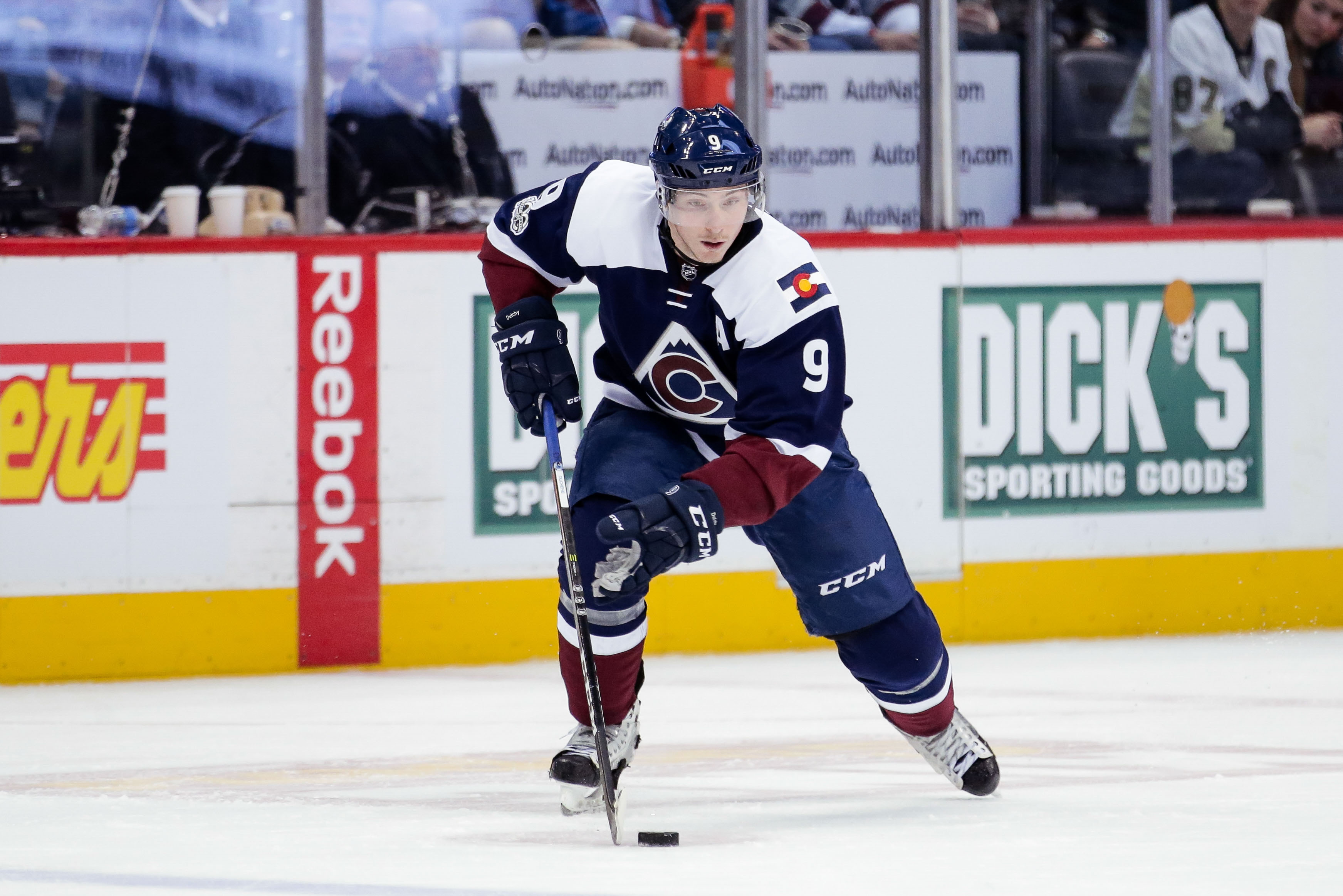 9894734-nhl-pittsburgh-penguins-at-colorado-avalanche