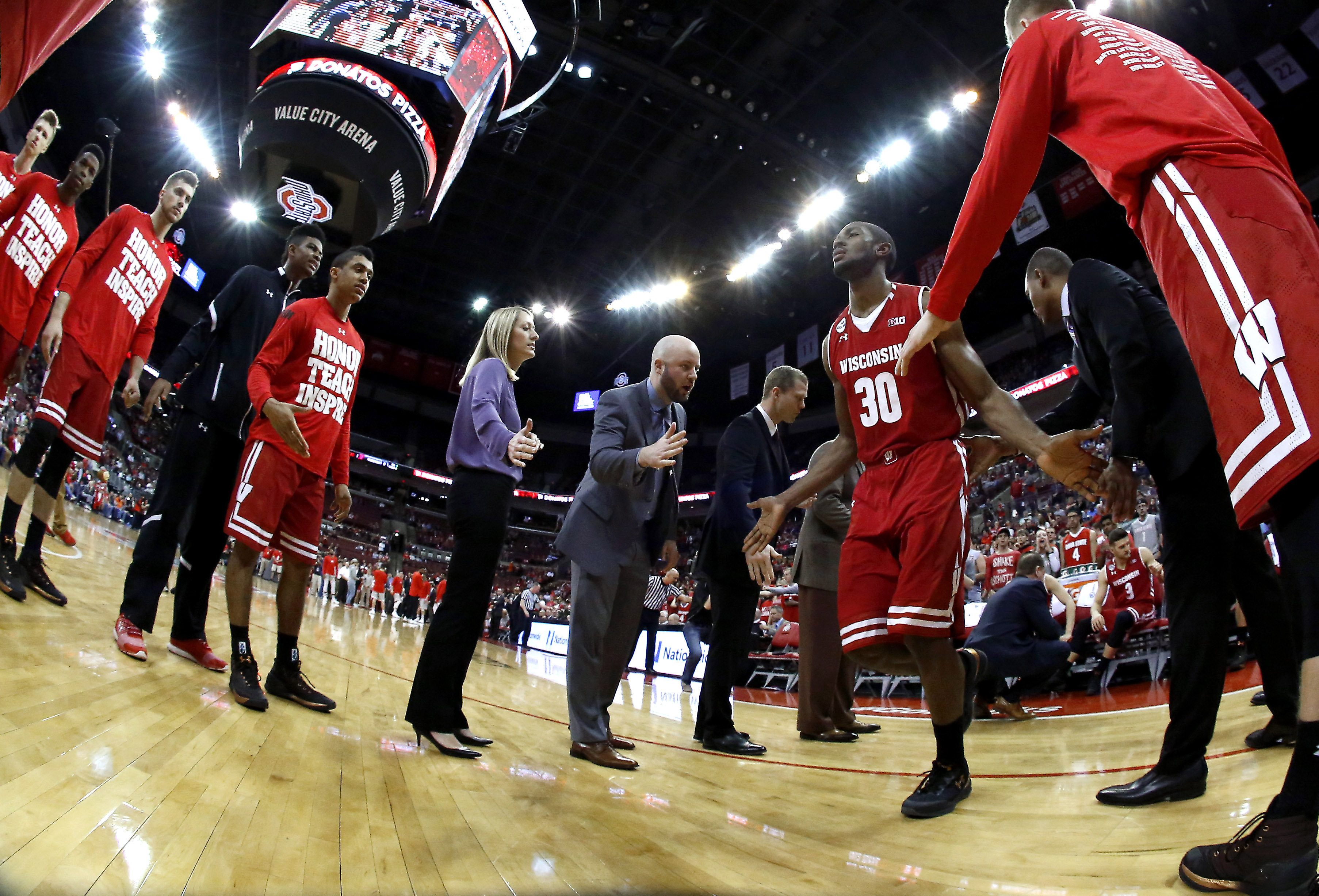 9896695-ncaa-basketball-wisconsin-at-ohio-state