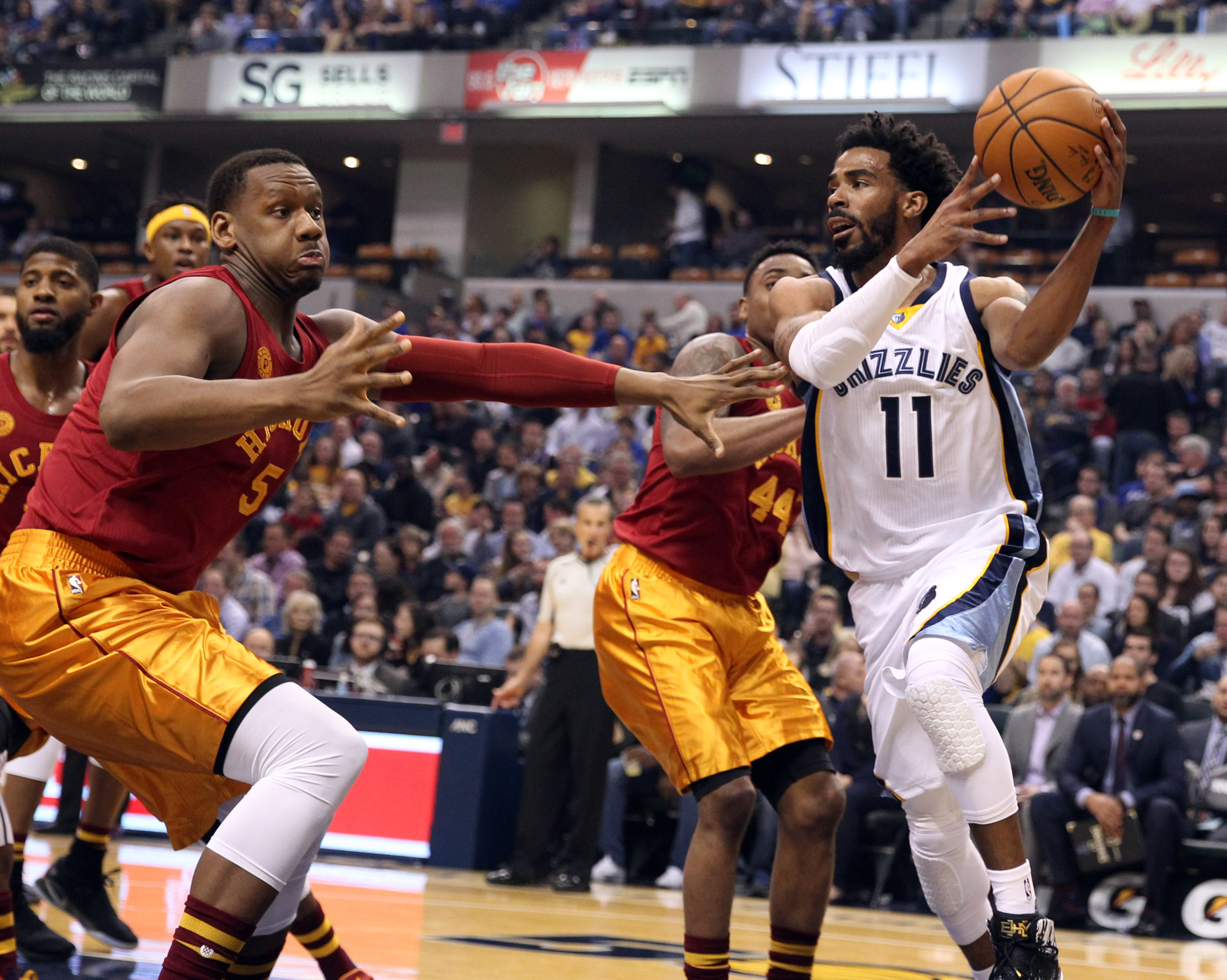 9897500-nba-memphis-grizzlies-at-indiana-pacers