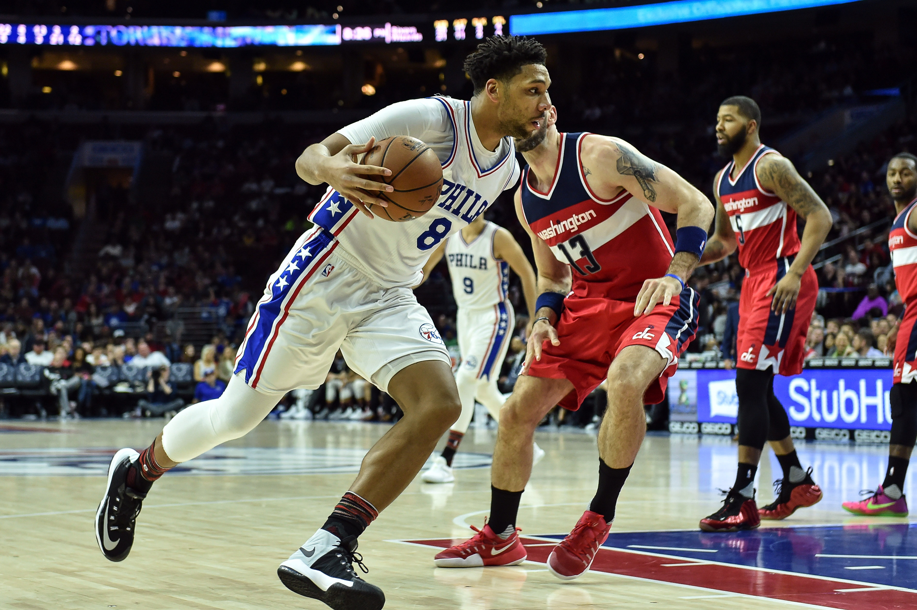 9898039-nba-washington-wizards-at-philadelphia-76ers-1