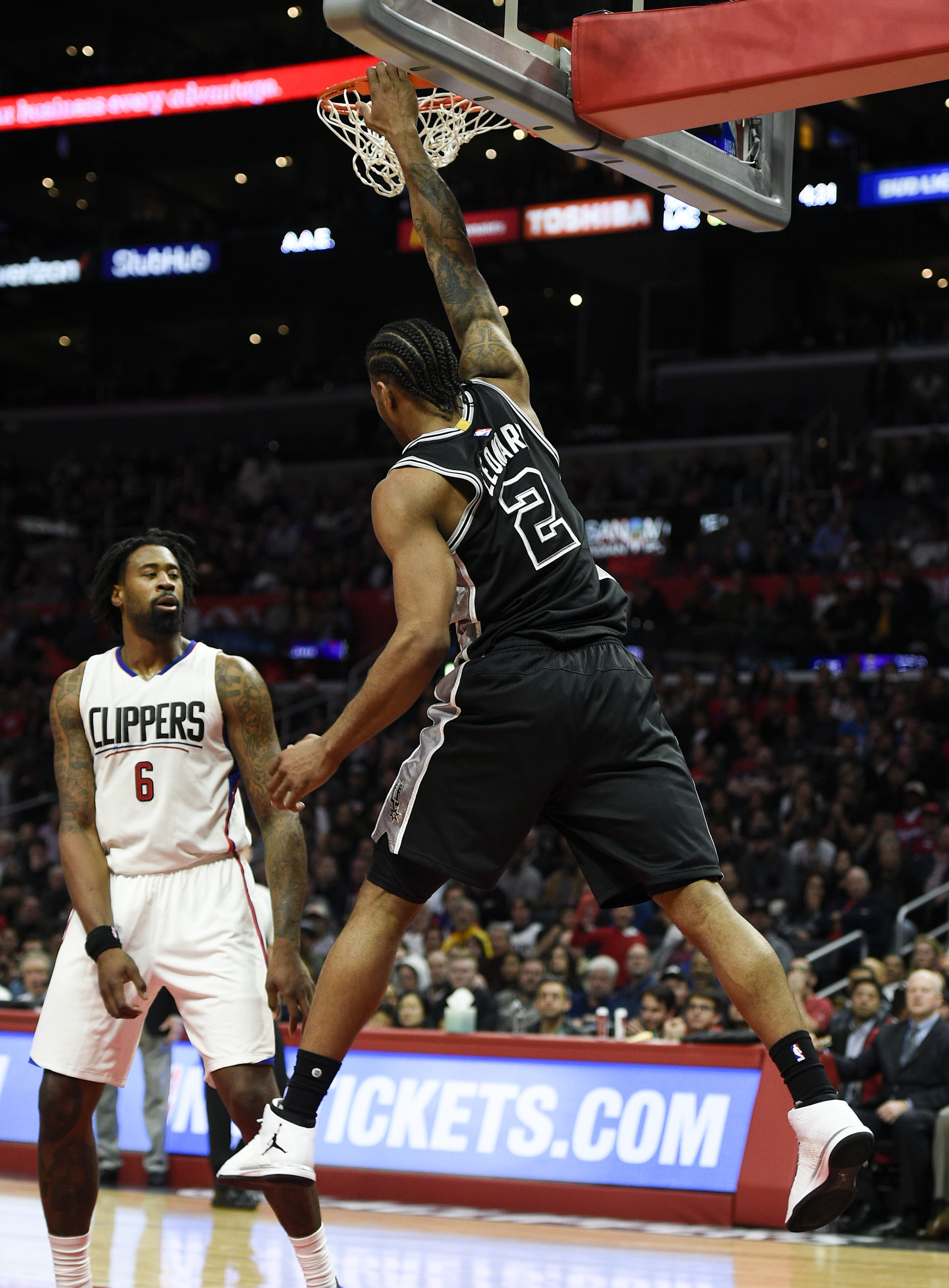 9898274-nba-san-antonio-spurs-at-los-angeles-clippers