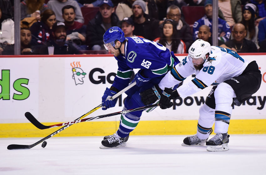 Sharks beat Canucks 3-1 after losing Thornton to leg injury