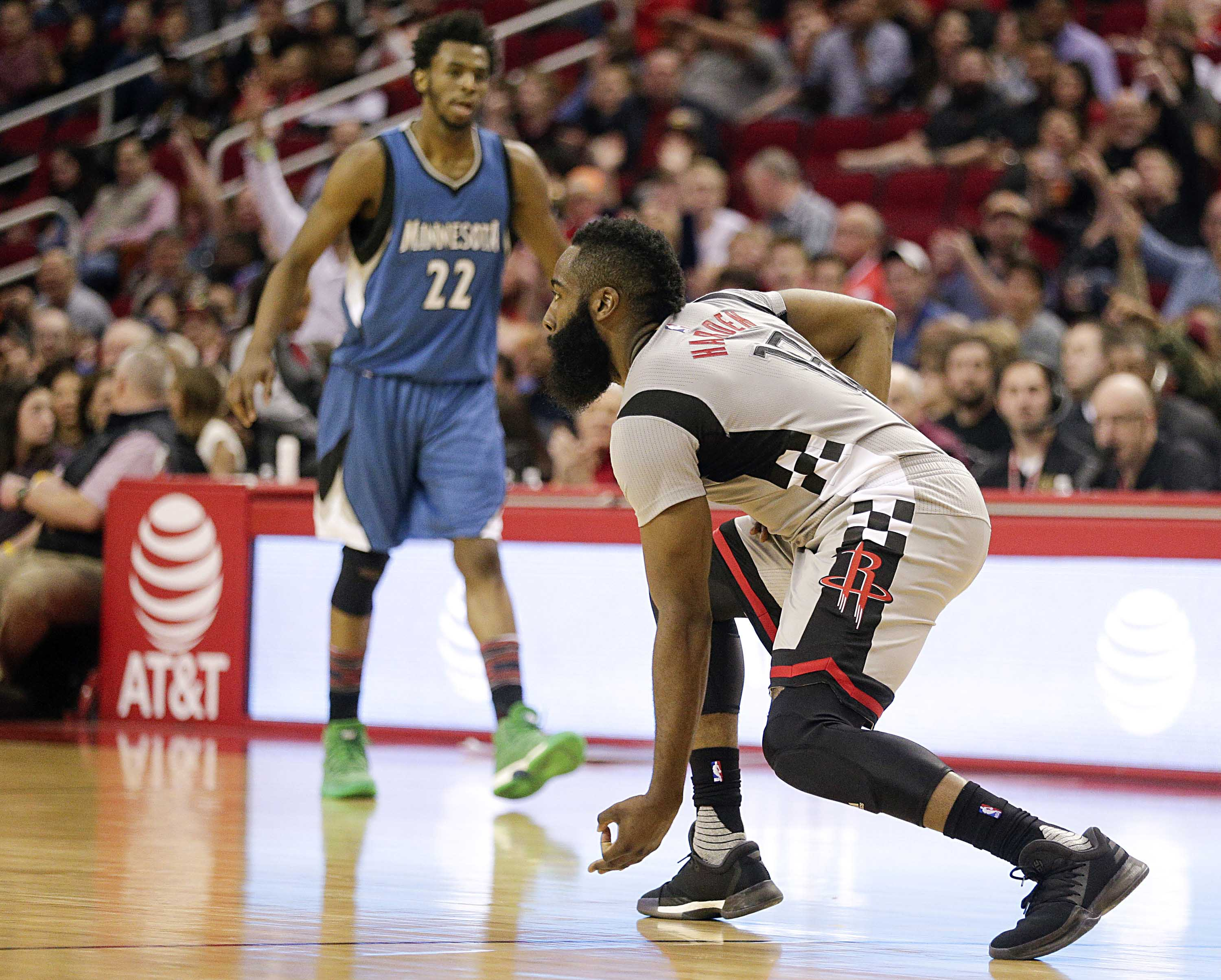 9901214-nba-minnesota-timberwolves-at-houston-rockets