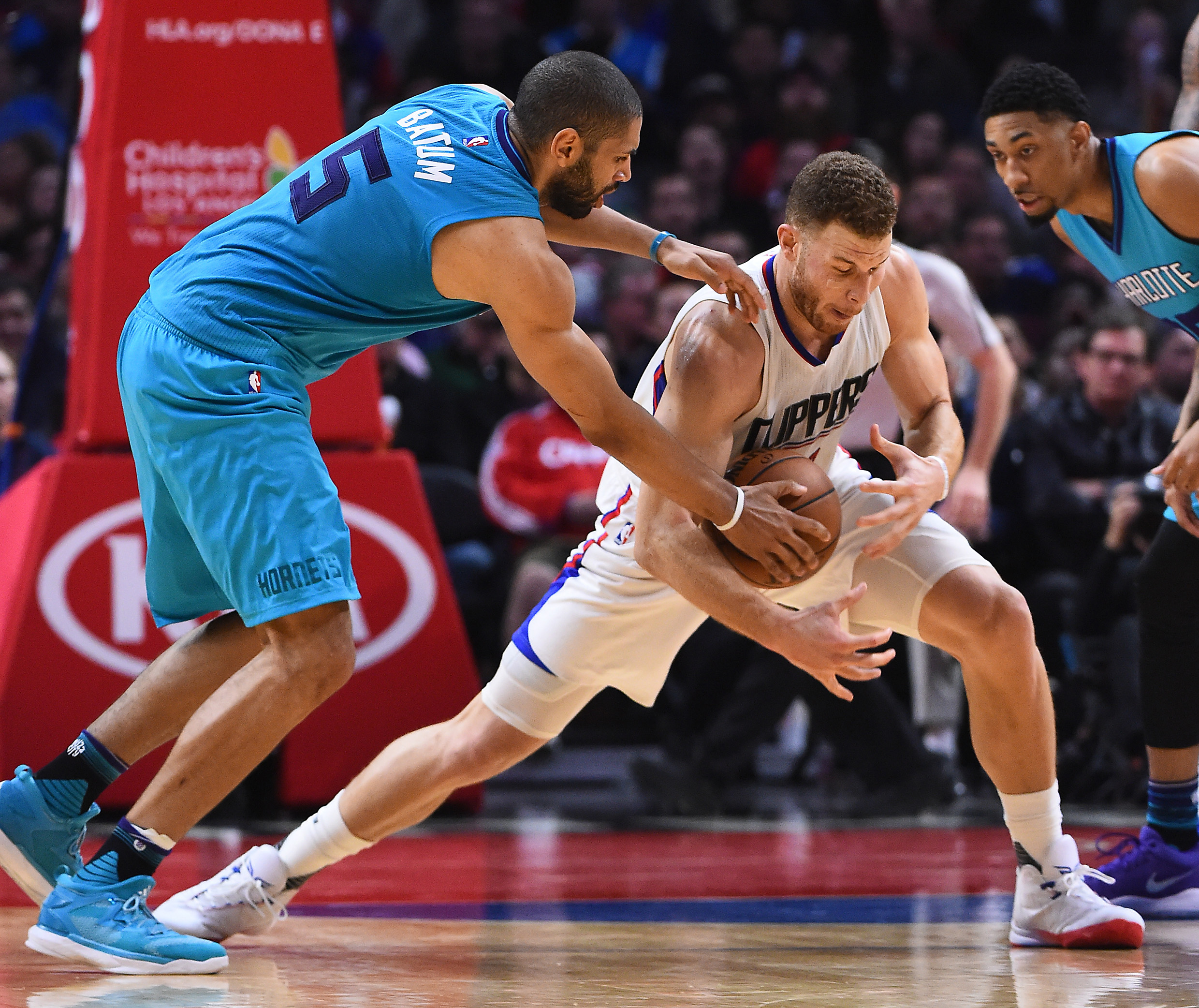 9904441-nba-charlotte-hornets-at-los-angeles-clippers