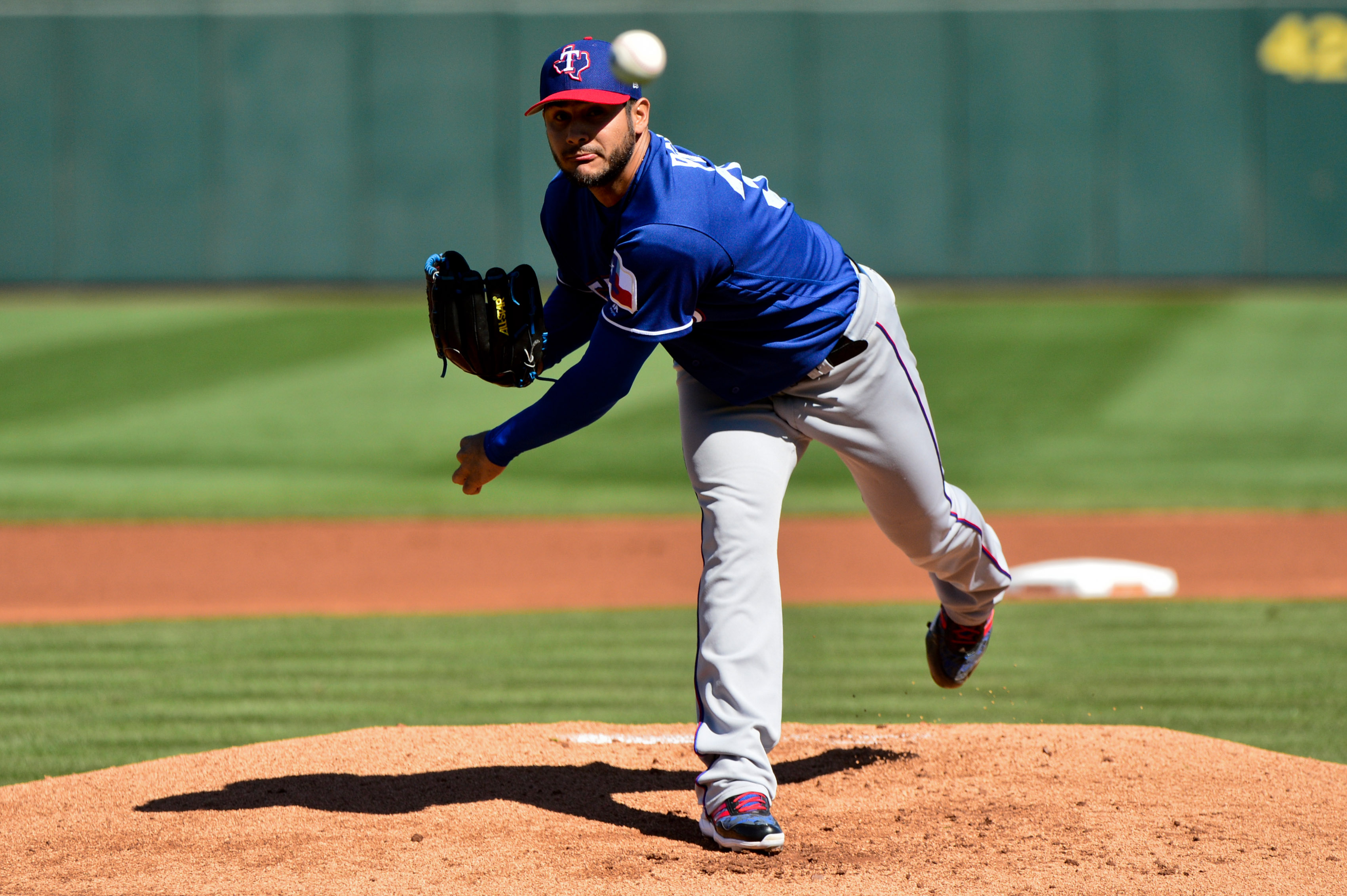 9910084-mlb-spring-training-texas-rangers-at-los-angeles-angels