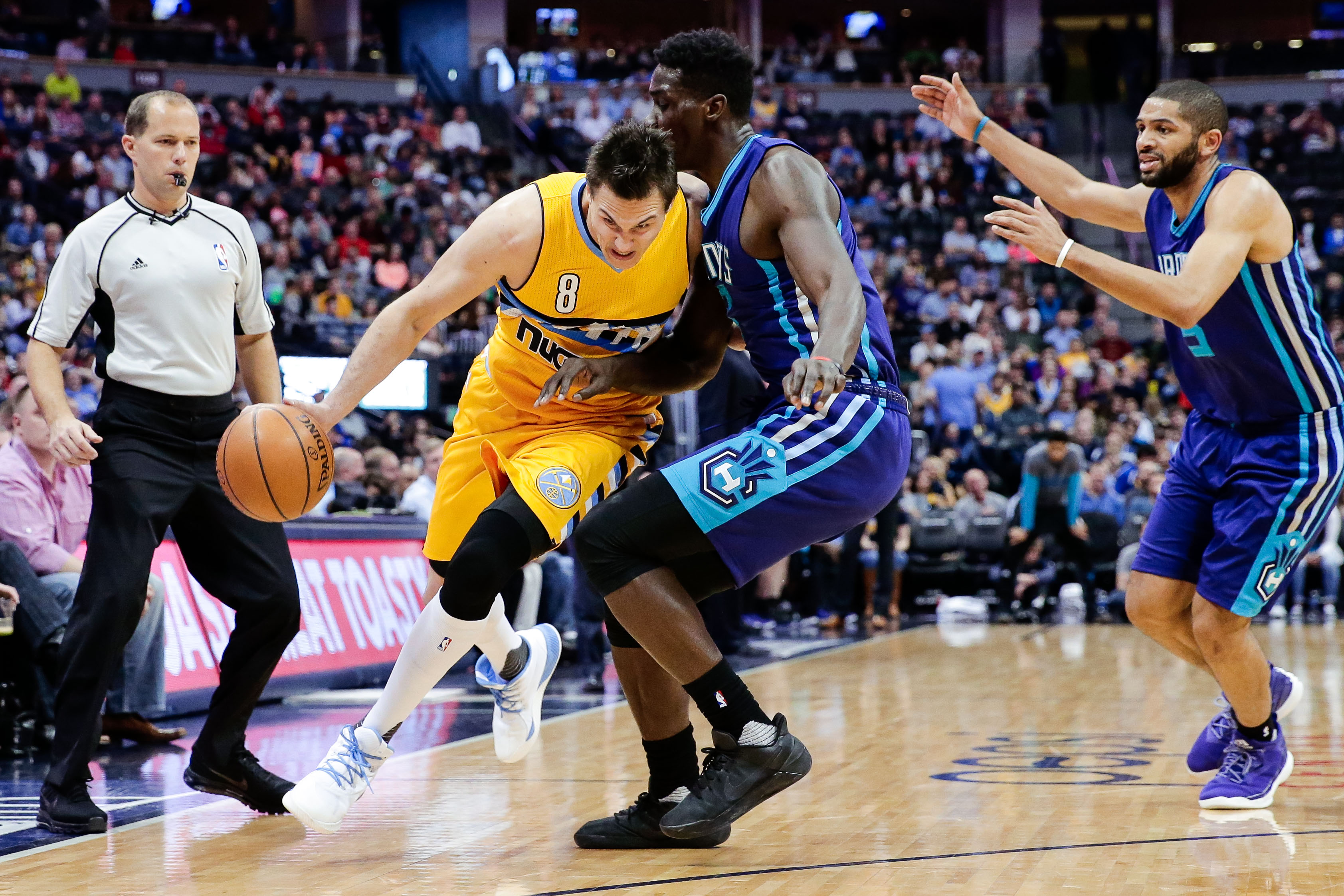 9918174-nba-charlotte-hornets-at-denver-nuggets
