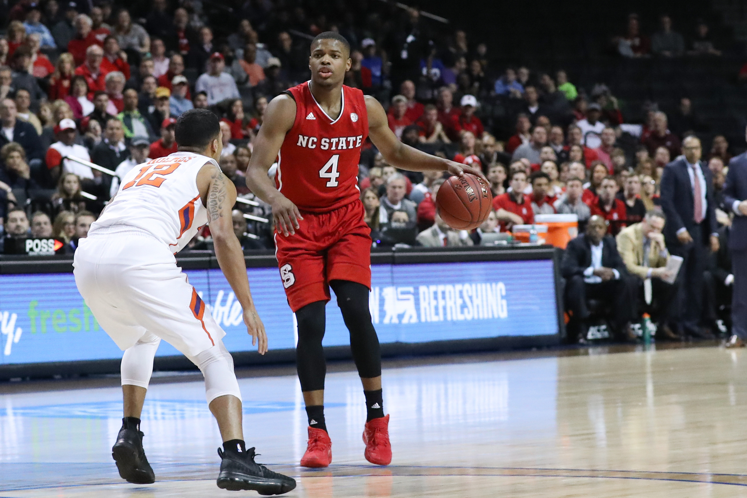 9924330-ncaa-basketball-acc-conference-tournament-clemson-vs-nc-state-1