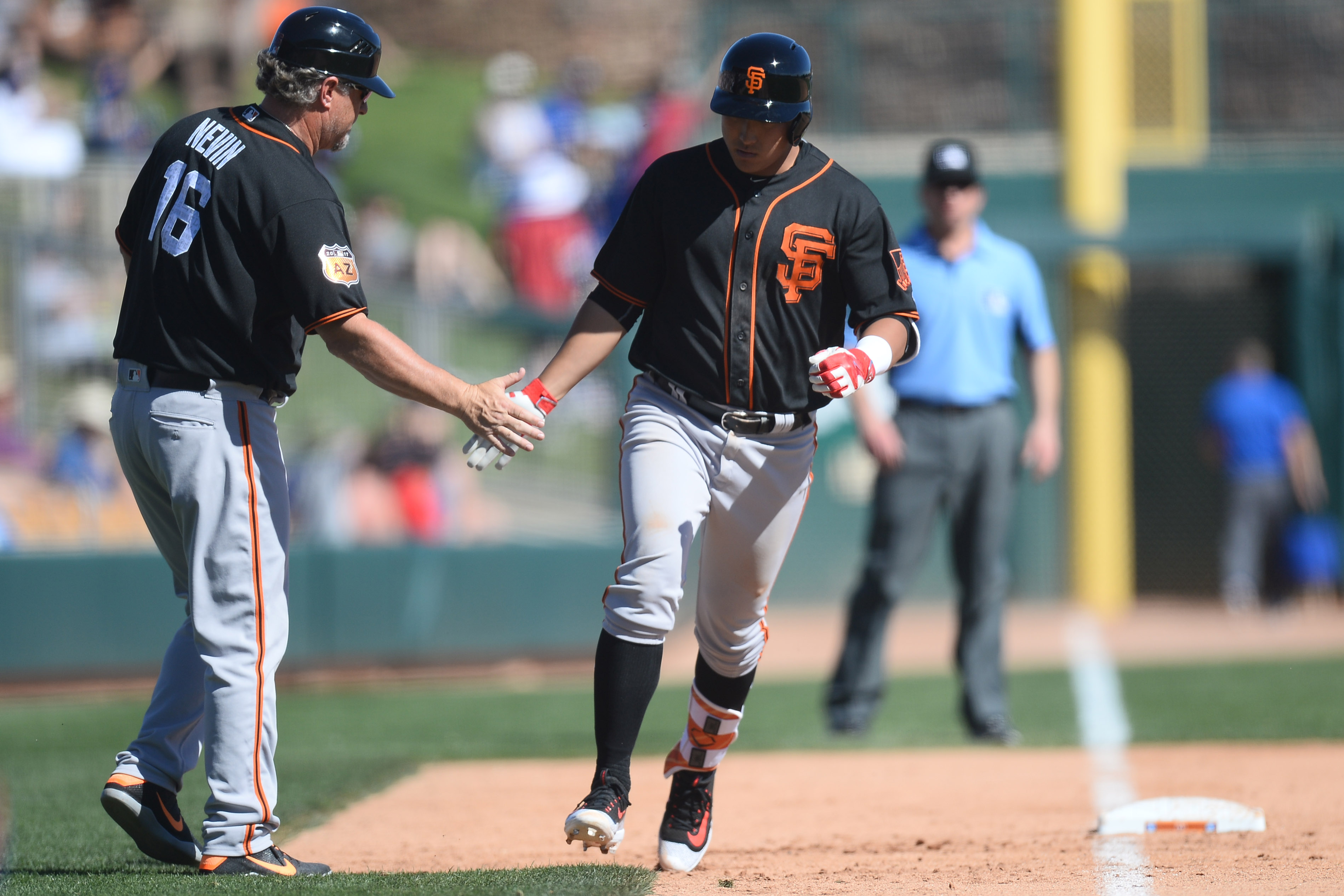 9924812-mlb-spring-training-san-francisco-giants-at-los-angeles-dodgers