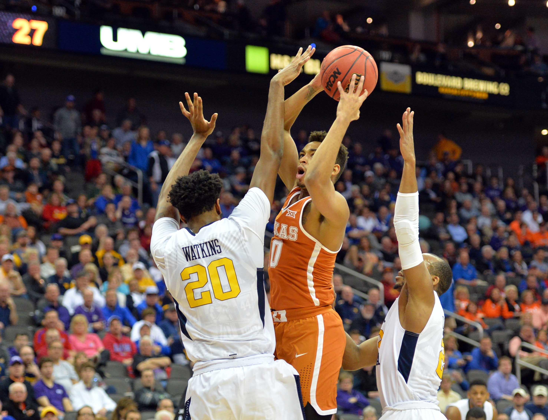 9928436-ncaa-basketball-big-12-championship-west-virginia-vs-texas