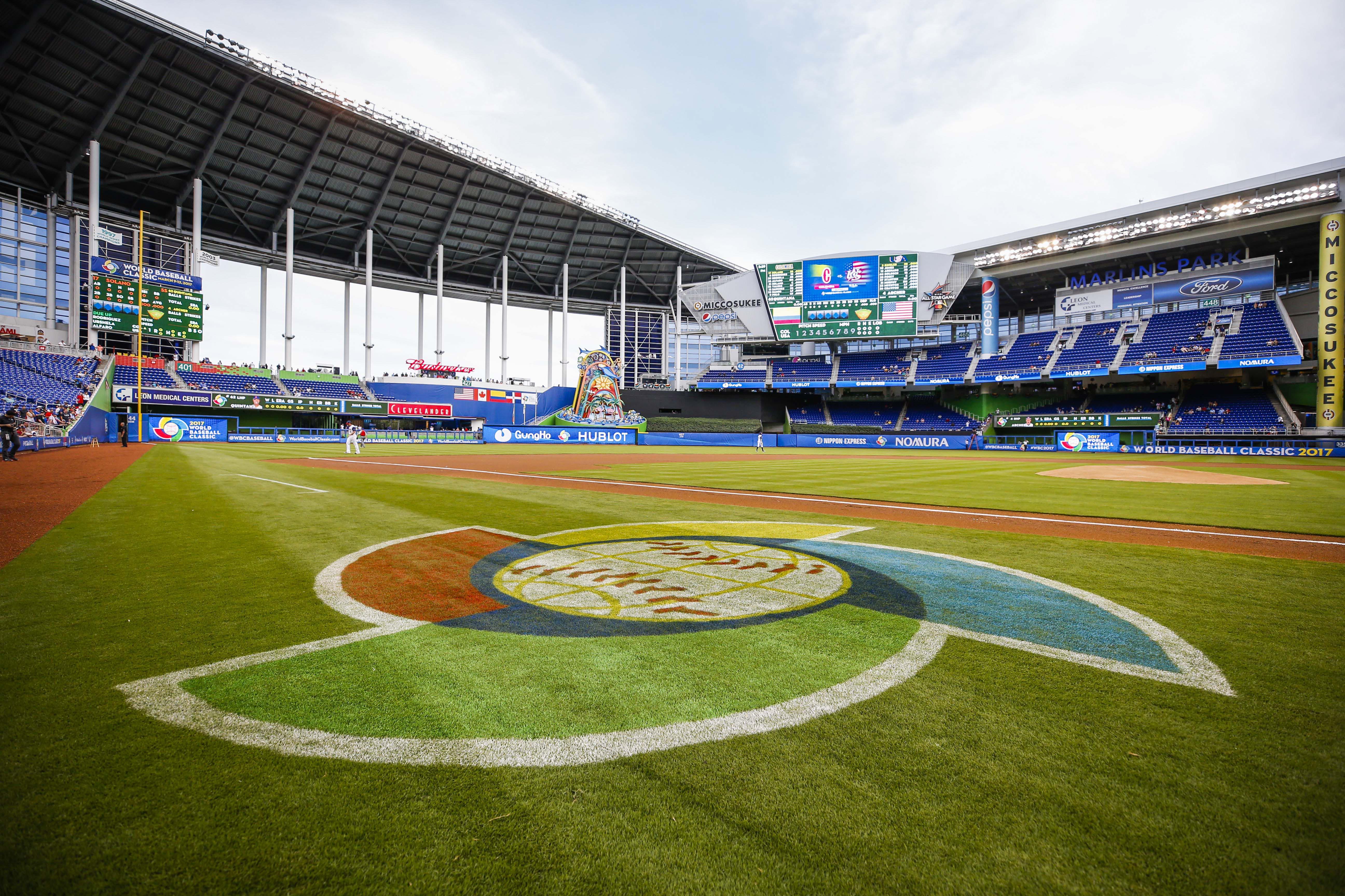 9931587-baseball-world-baseball-classic-colombia-at-usa