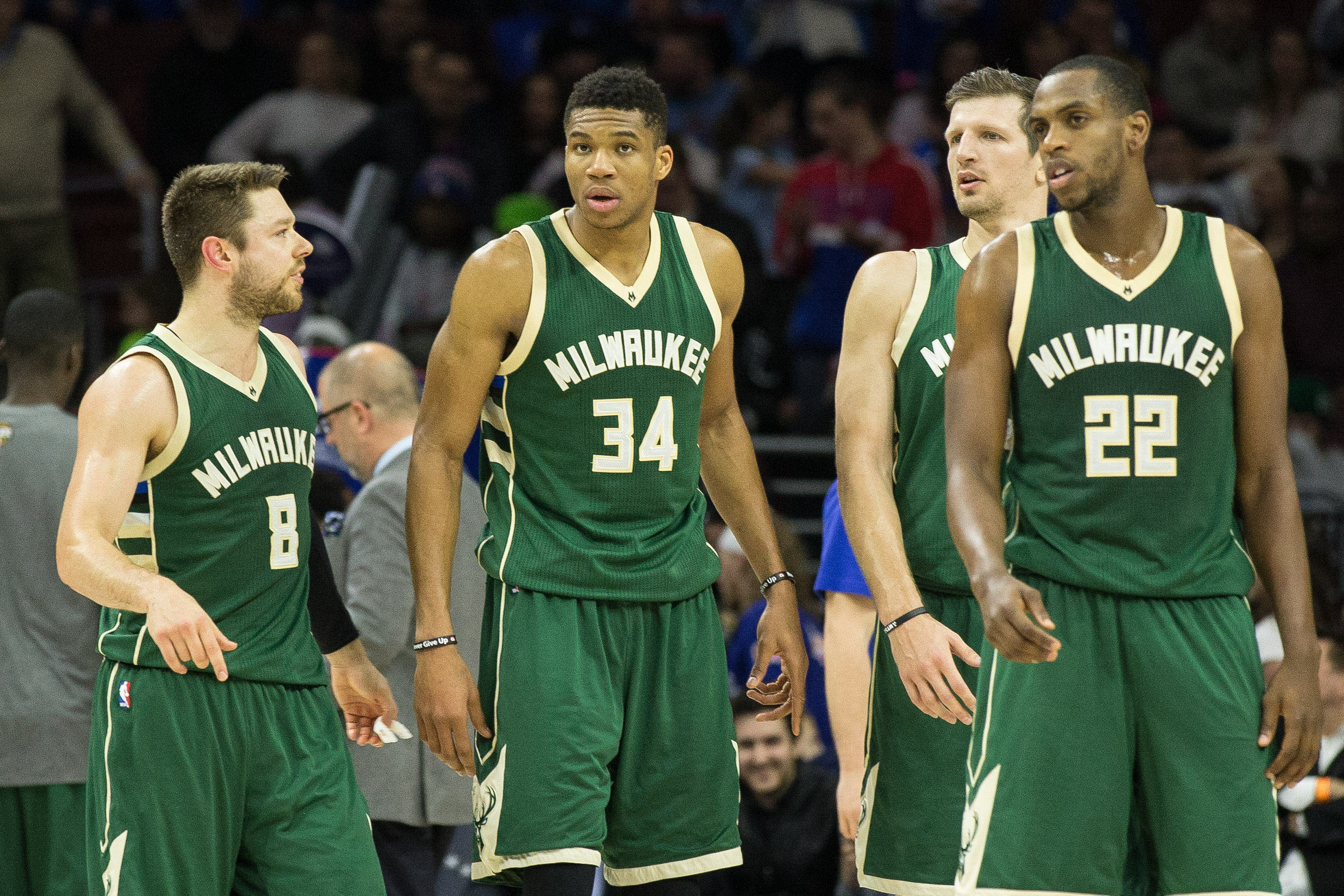 9936891-nba-milwaukee-bucks-at-philadelphia-76ers