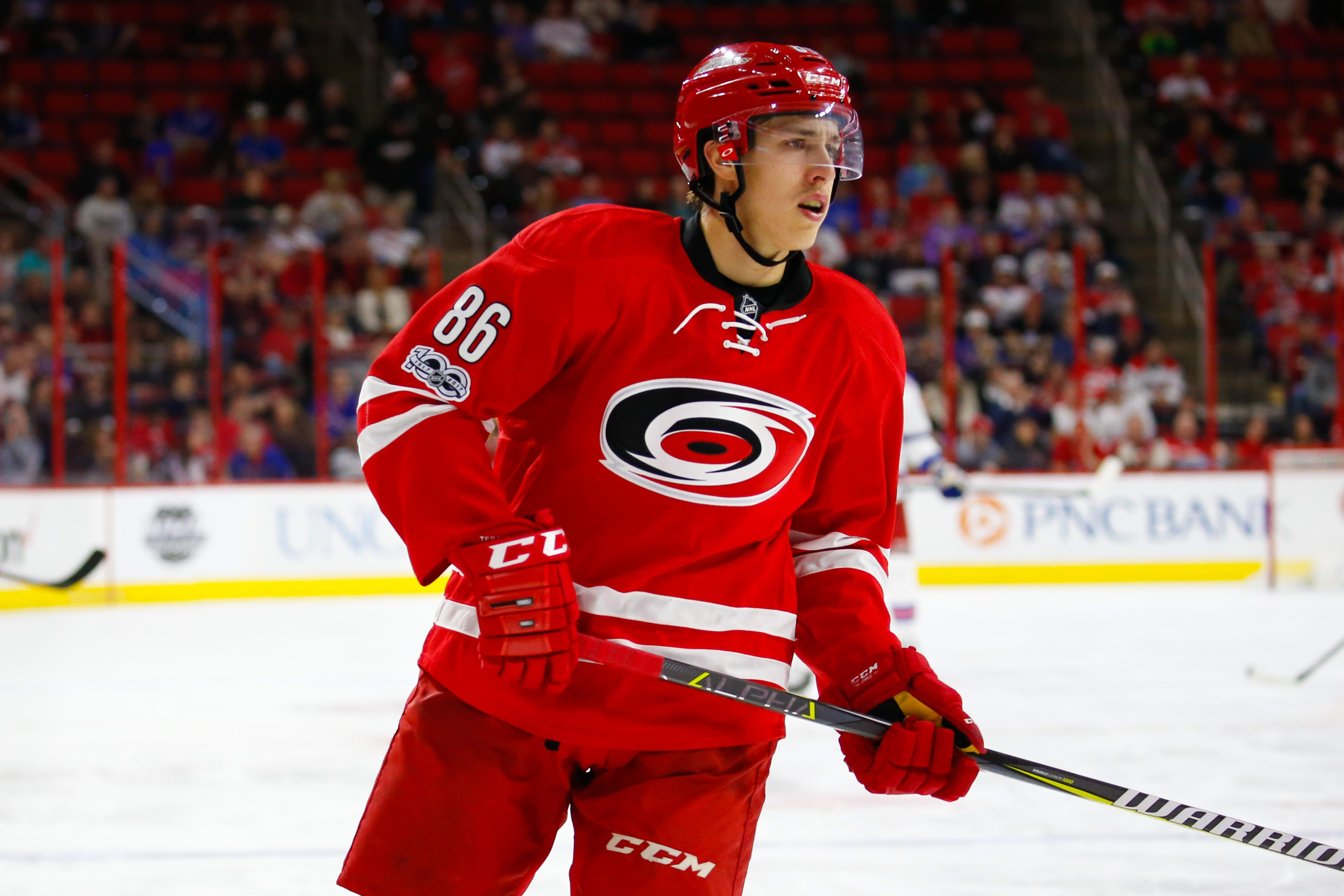9936991-nhl-new-york-rangers-at-carolina-hurricanes