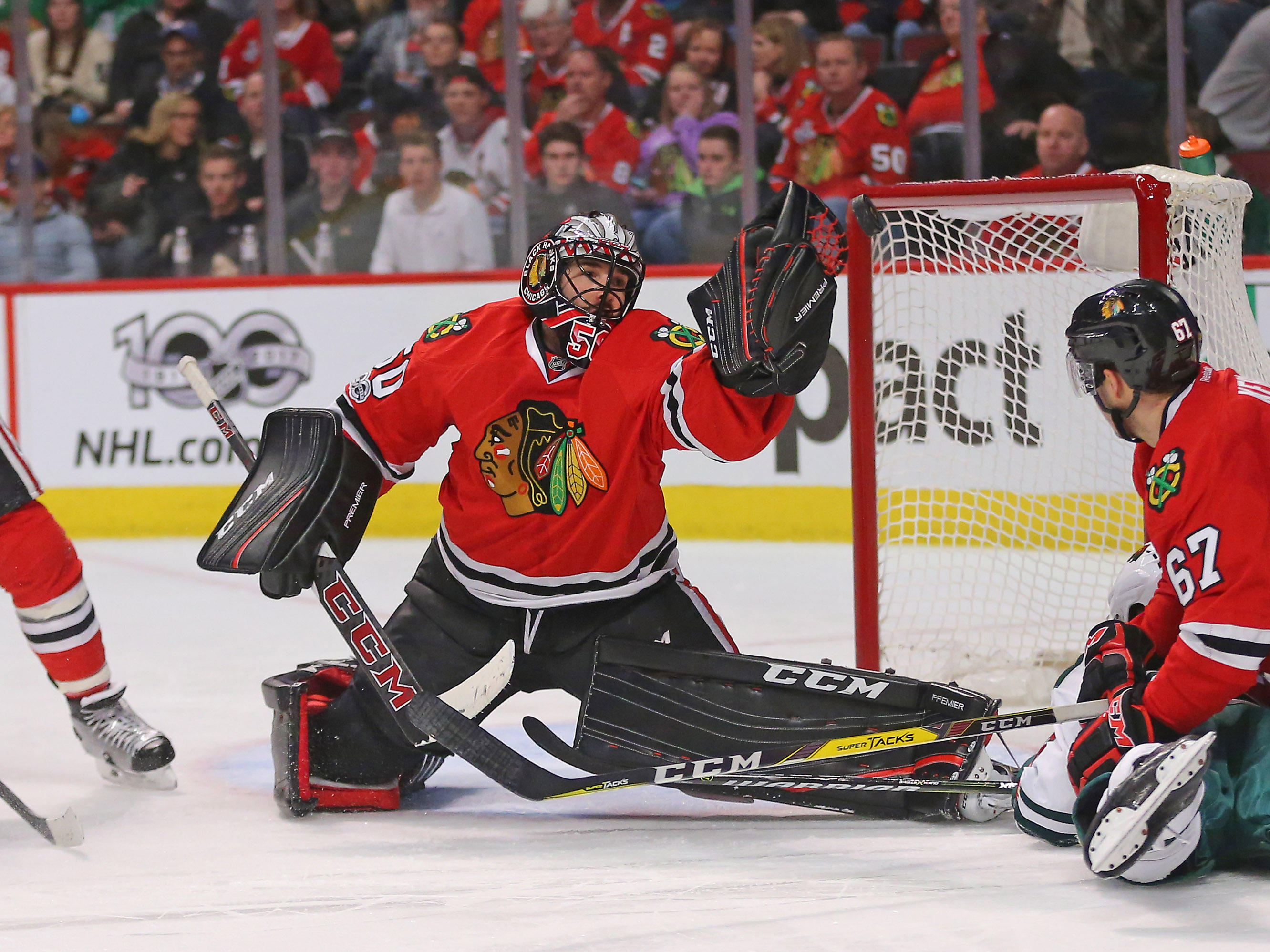 Blackhawks notch key win over Wild