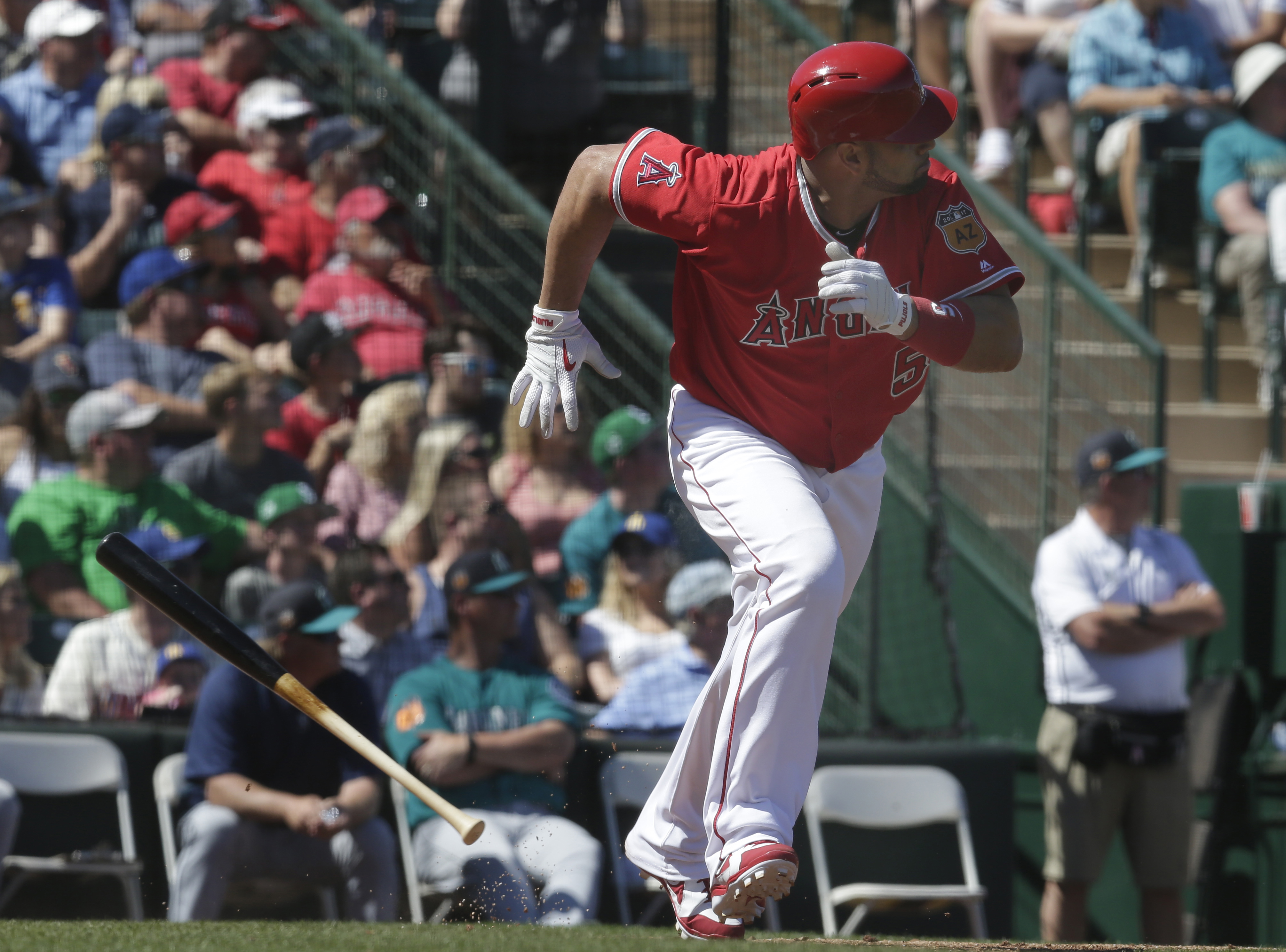 9938233-mlb-spring-training-seattle-mariners-at-los-angeles-angels