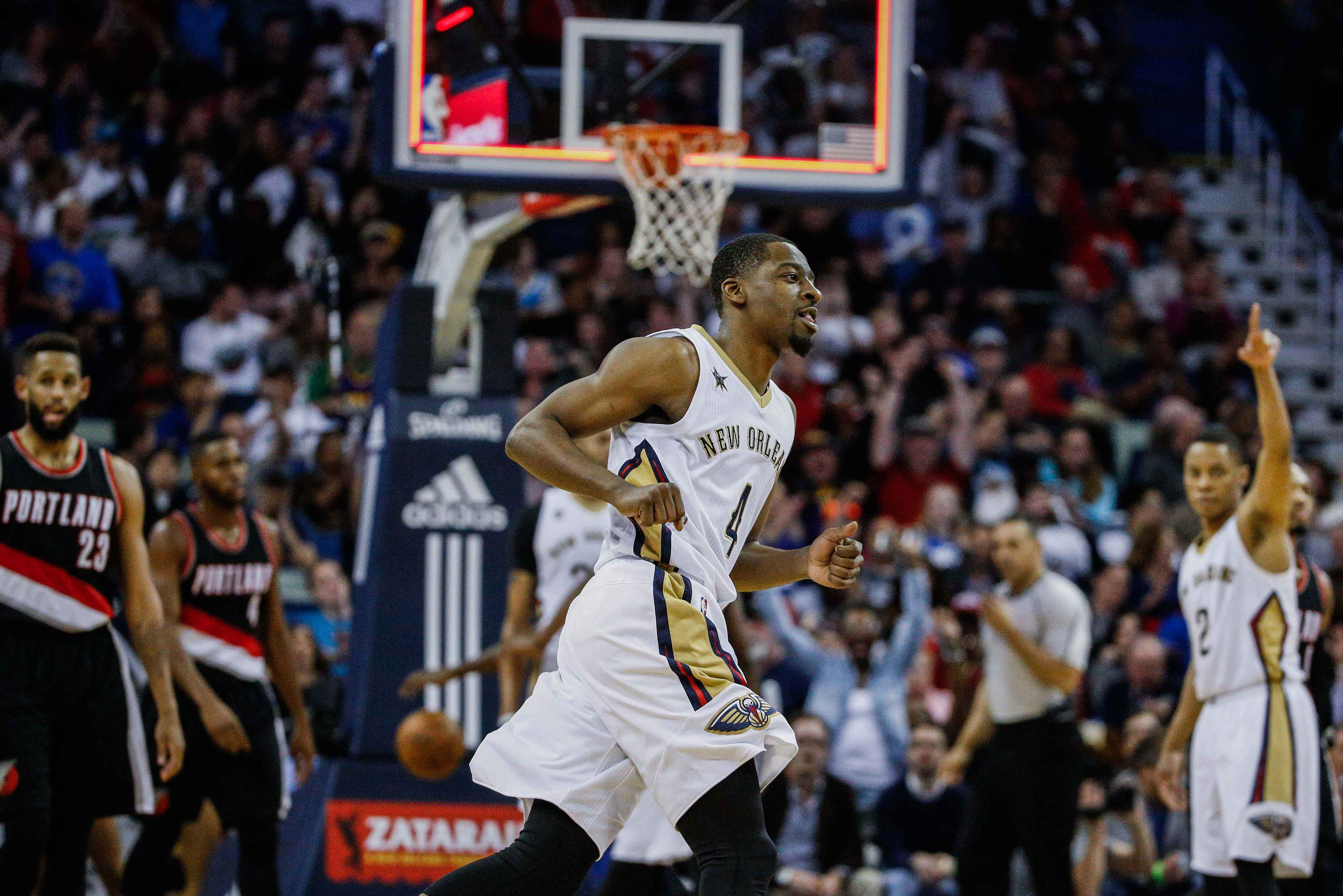 9943110-nba-portland-trail-blazers-at-new-orleans-pelicans-1